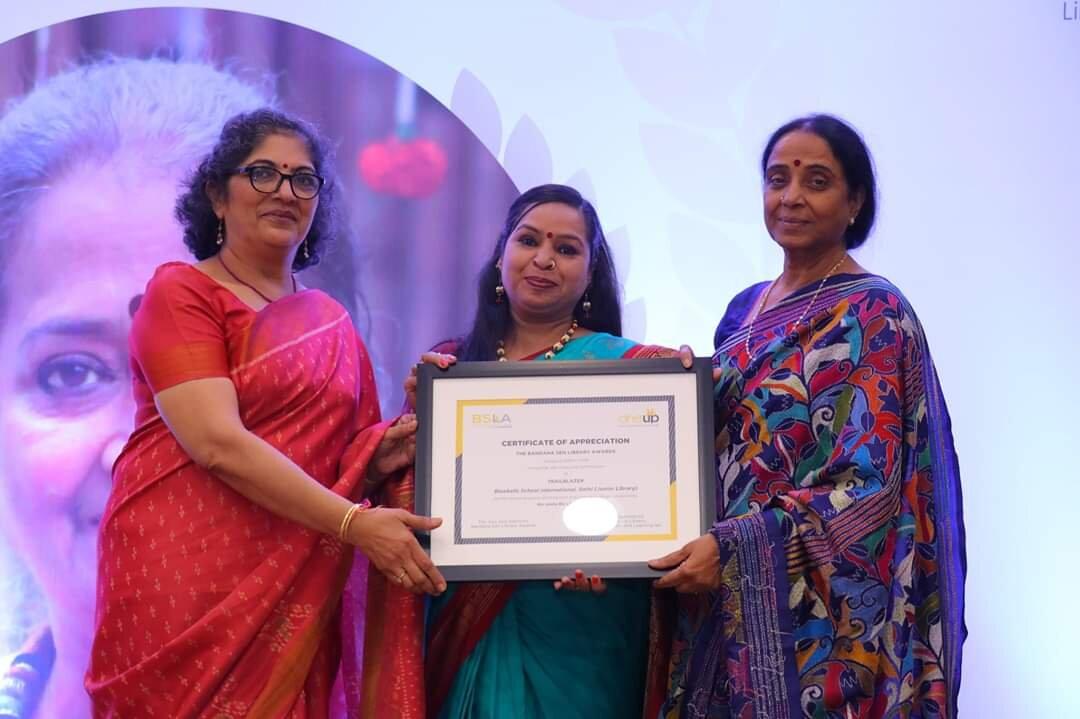 Shikha Award pic.jpg