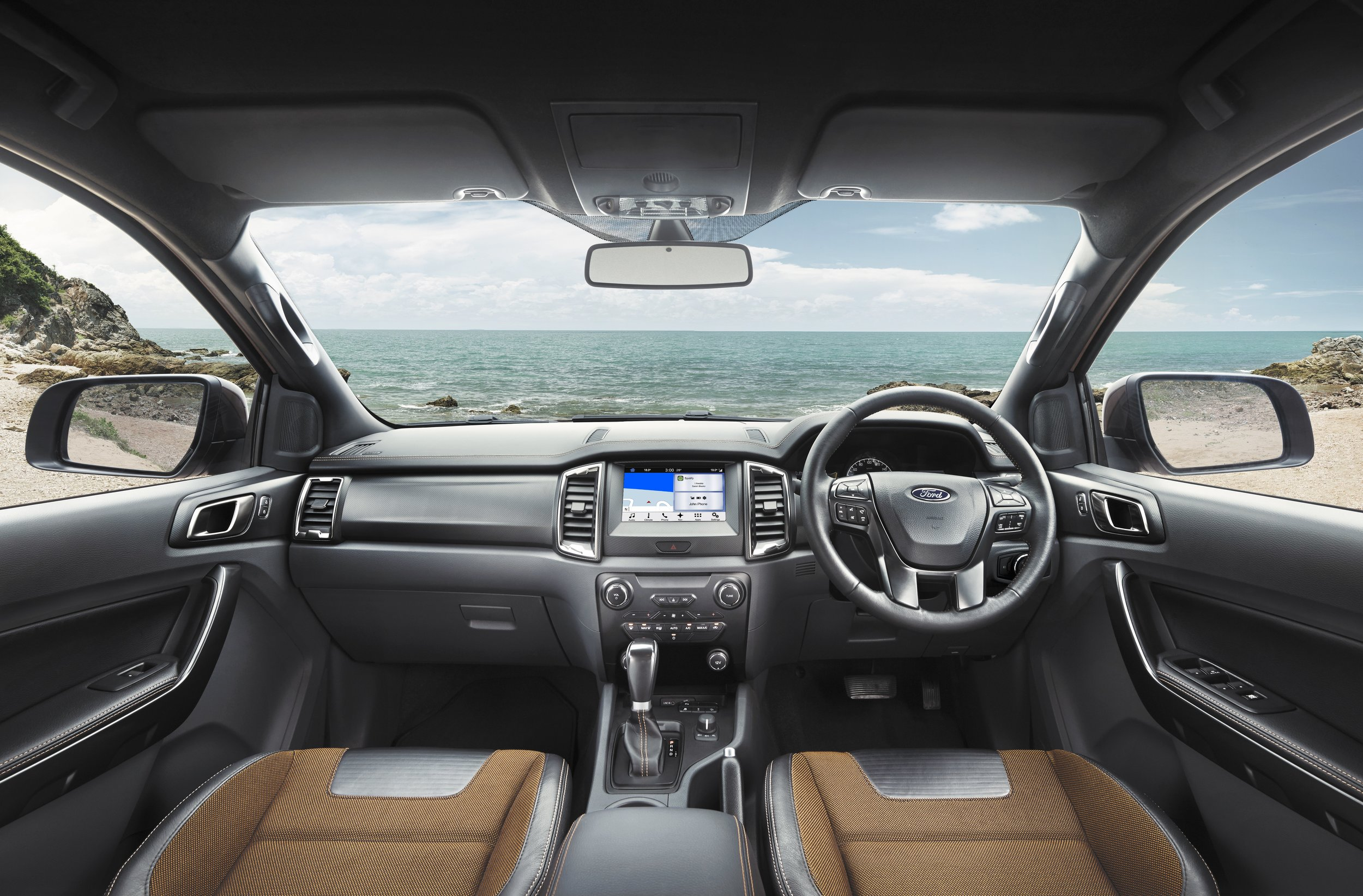 福特游侠Wildtrak interior image157141_c.jpg