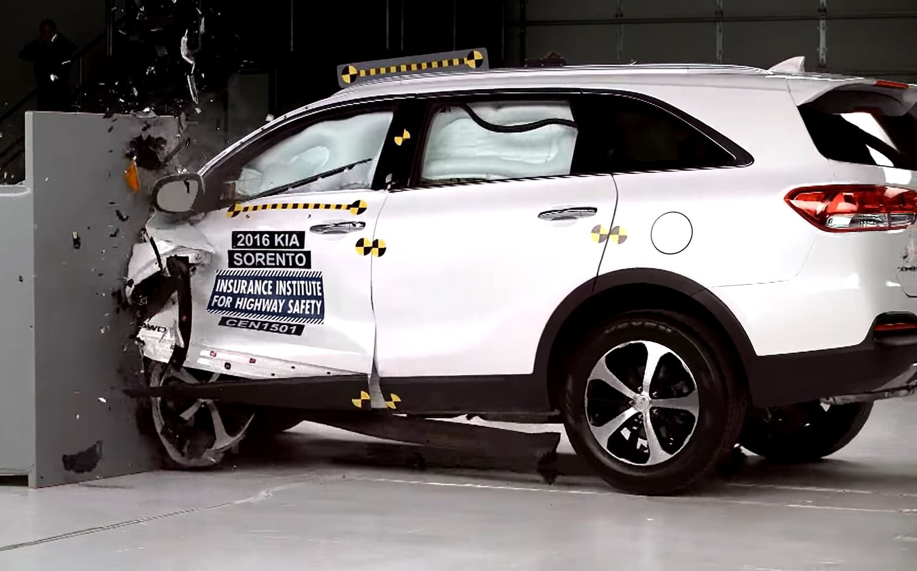 sorento iihs crash test.JPG