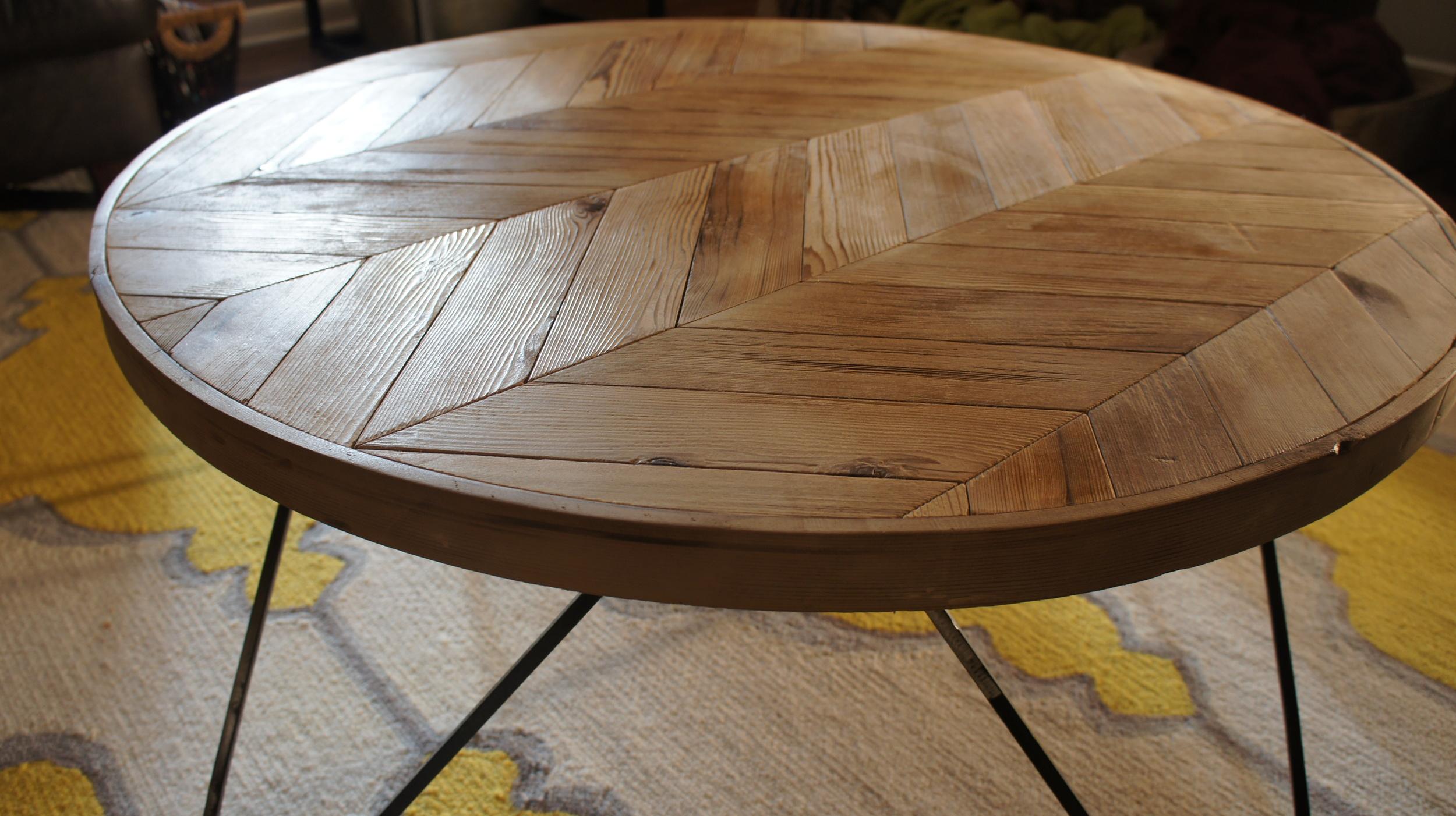 Flecha Round Coffee Table New History