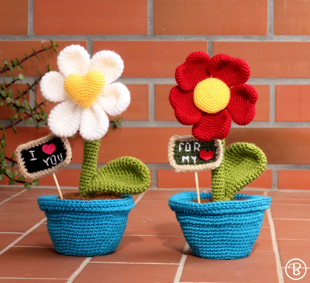 Cute Amigurumi Flowers Free Crochet Patterns | 913x1000