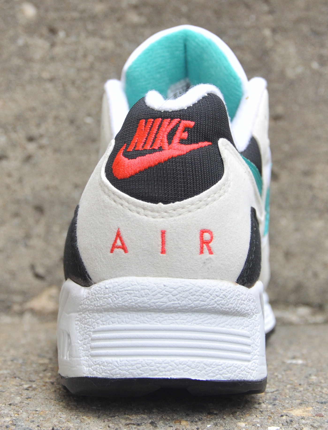 Nike Air Icarus Extra White Jade Black Crimson (Size