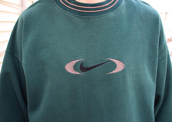 nike crewneck sweatshirt vintage