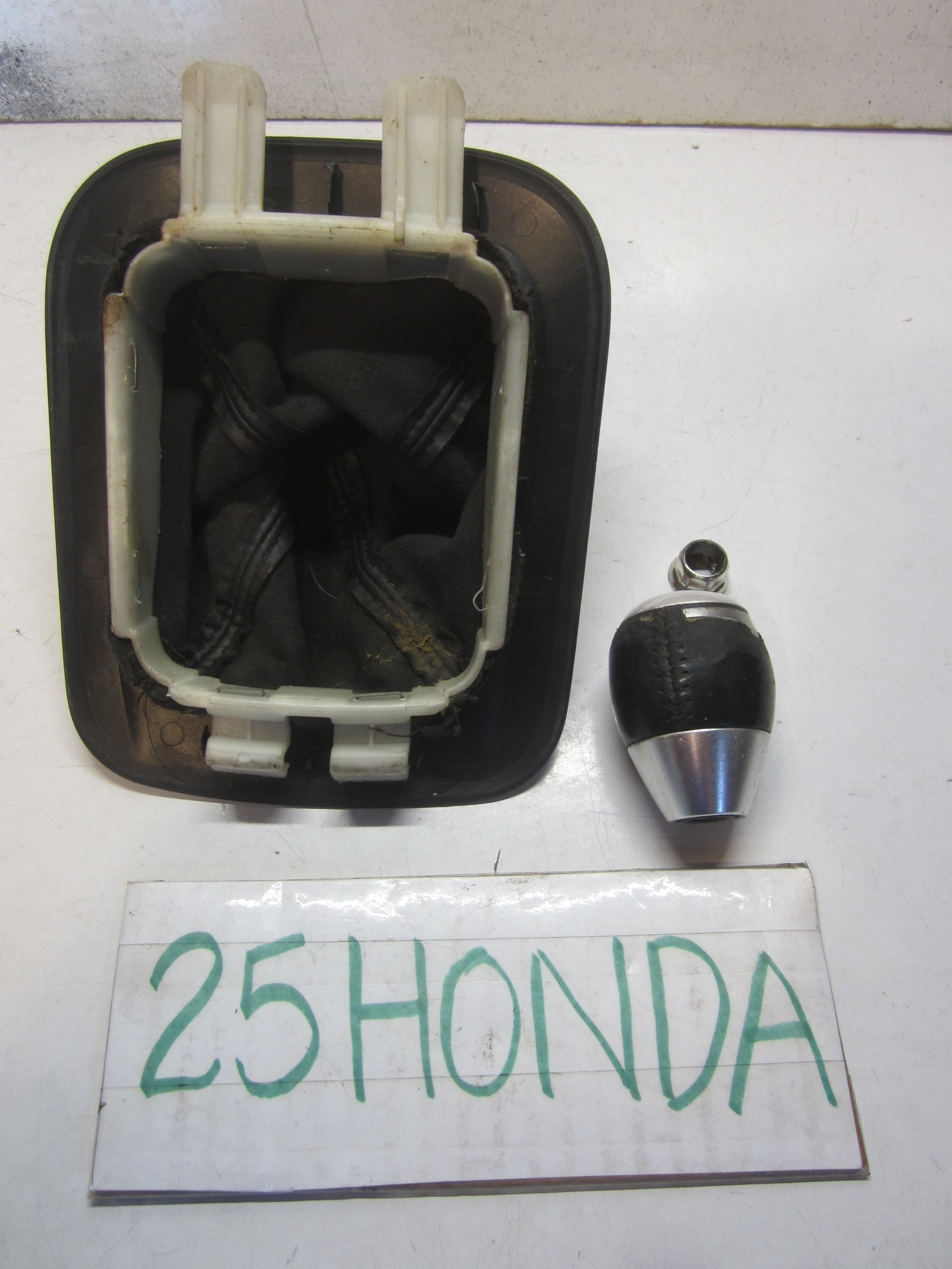 2003 Acura CL TypeS 6 Speed Cup Holder