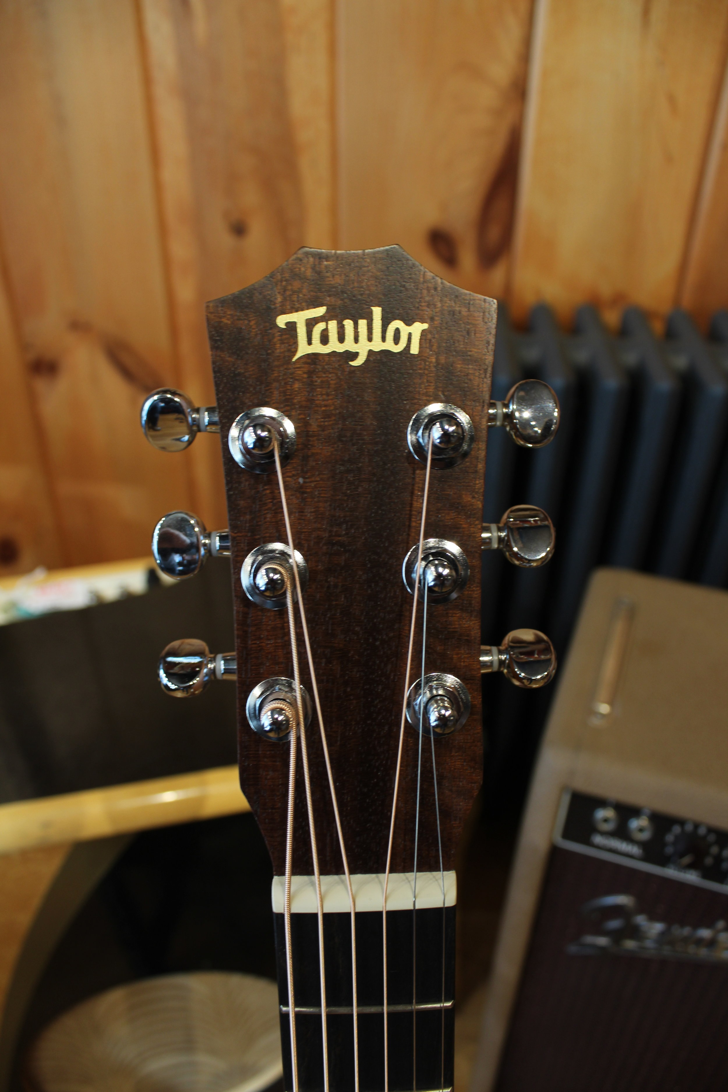 Taylor Baby Taylor w/bag (SCARSDALE) — Rudy's Music