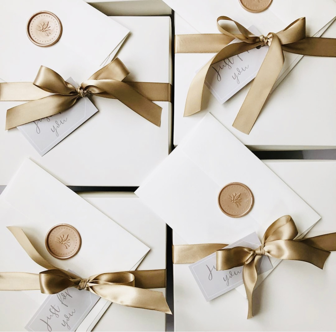 Gift Wrap — That's Darlin'