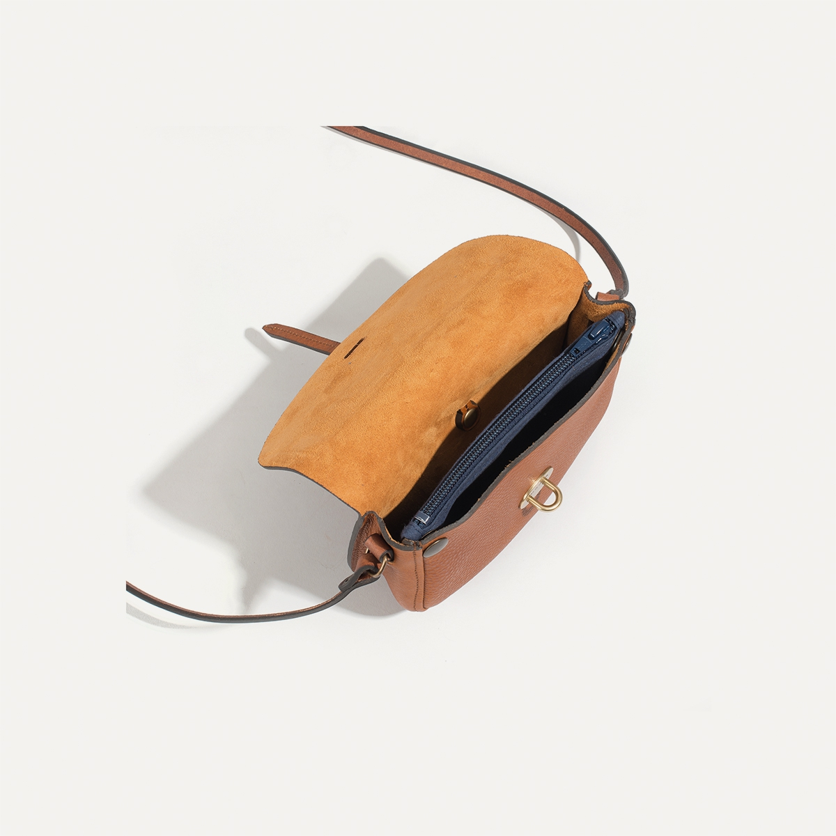 JAVA | mini leather postman bag | cuba libre  Mini sac postier JAVA |  Cuba libre
