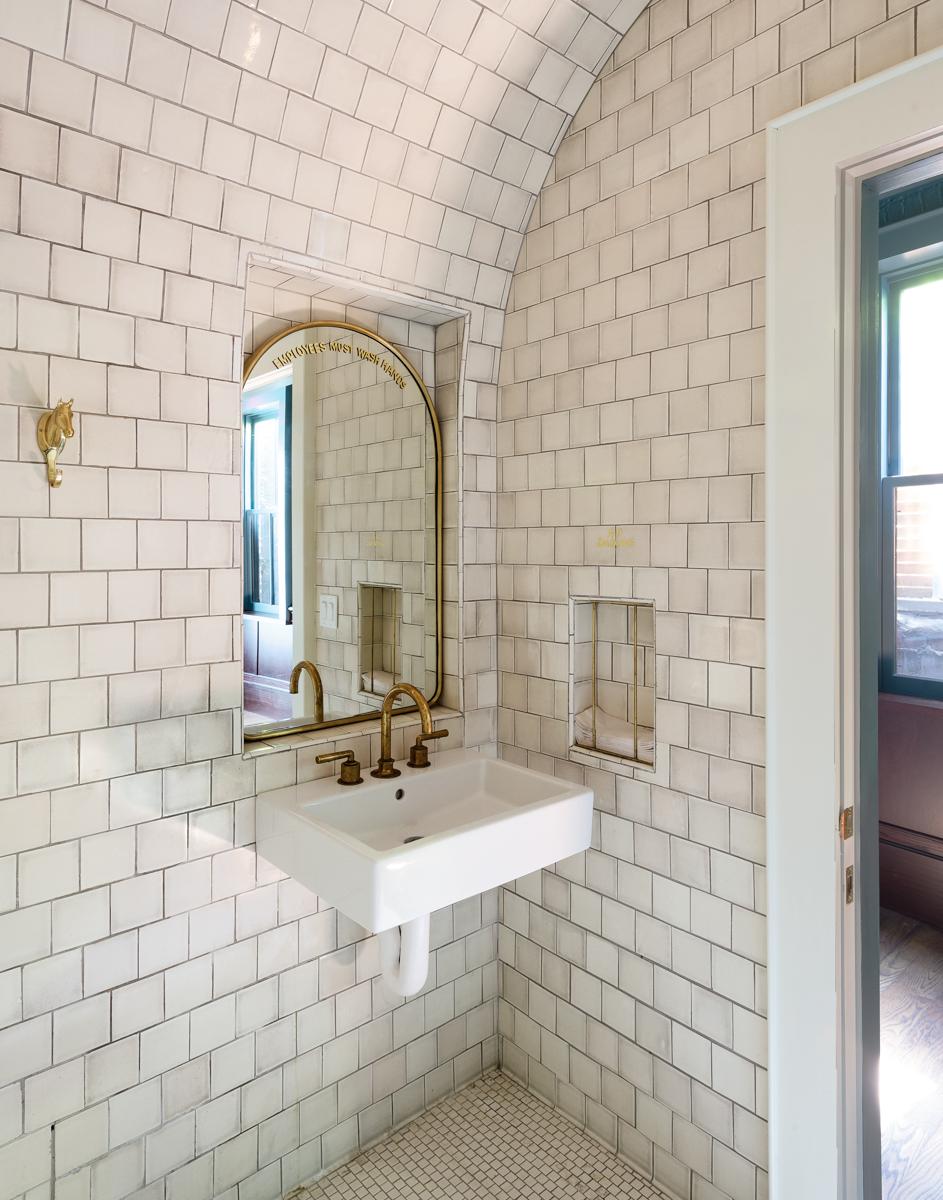 09_bathroom_JHID_StumptownCobbleHill copy.jpg