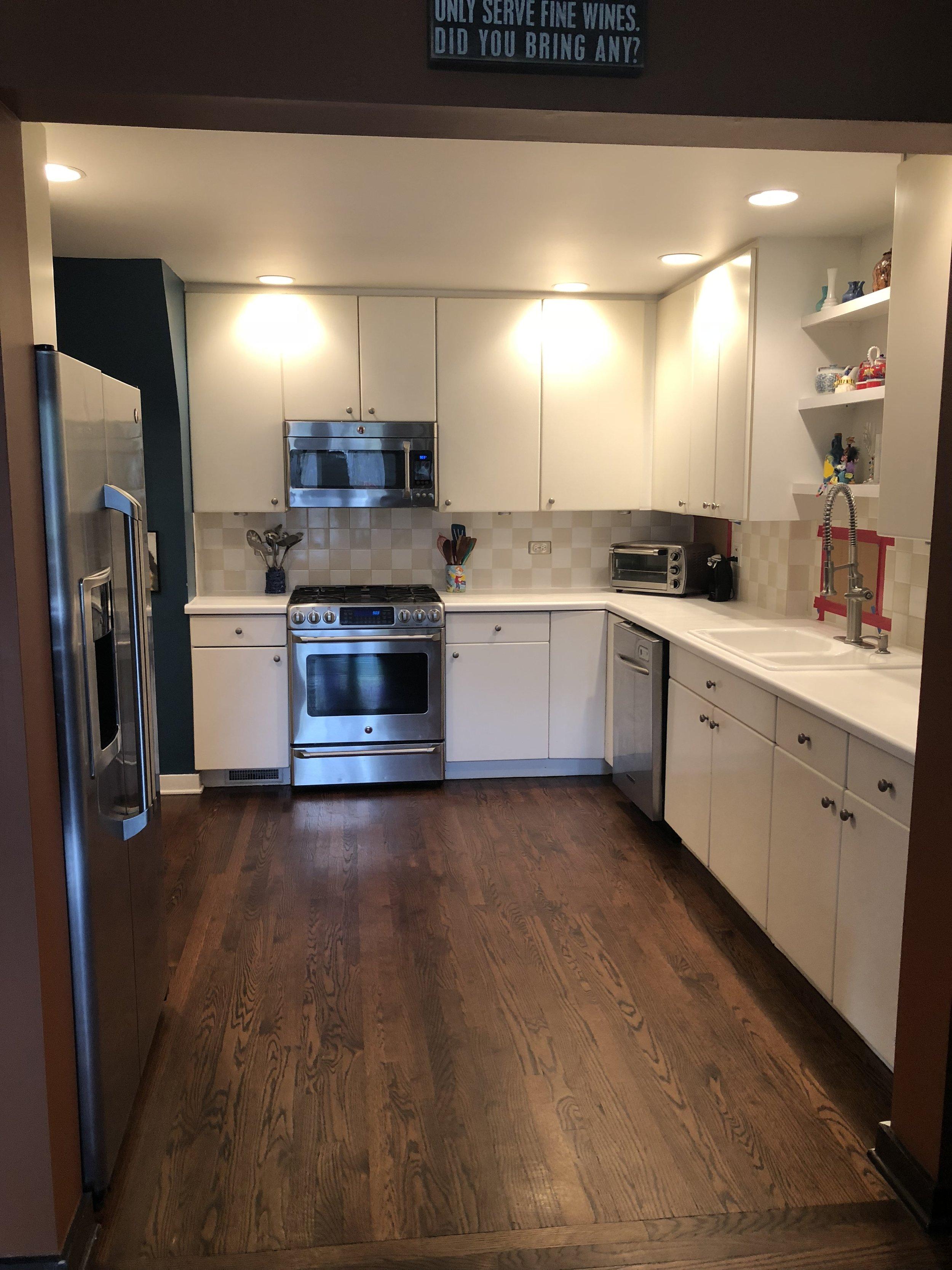 FLASH SALE - Complete White Kitchen Stainless Steel GE Kitchen Aid  Appliances Cabinets Gas Range Refrigerator Freezer Dishwasher — Little  Green ...