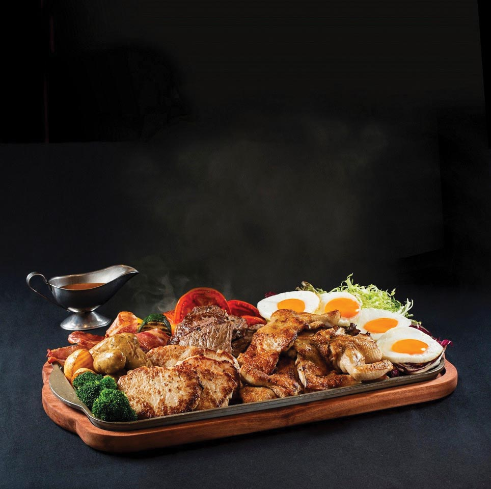 Loyal Dining - Giant Sizzling Plate_low res.jpg