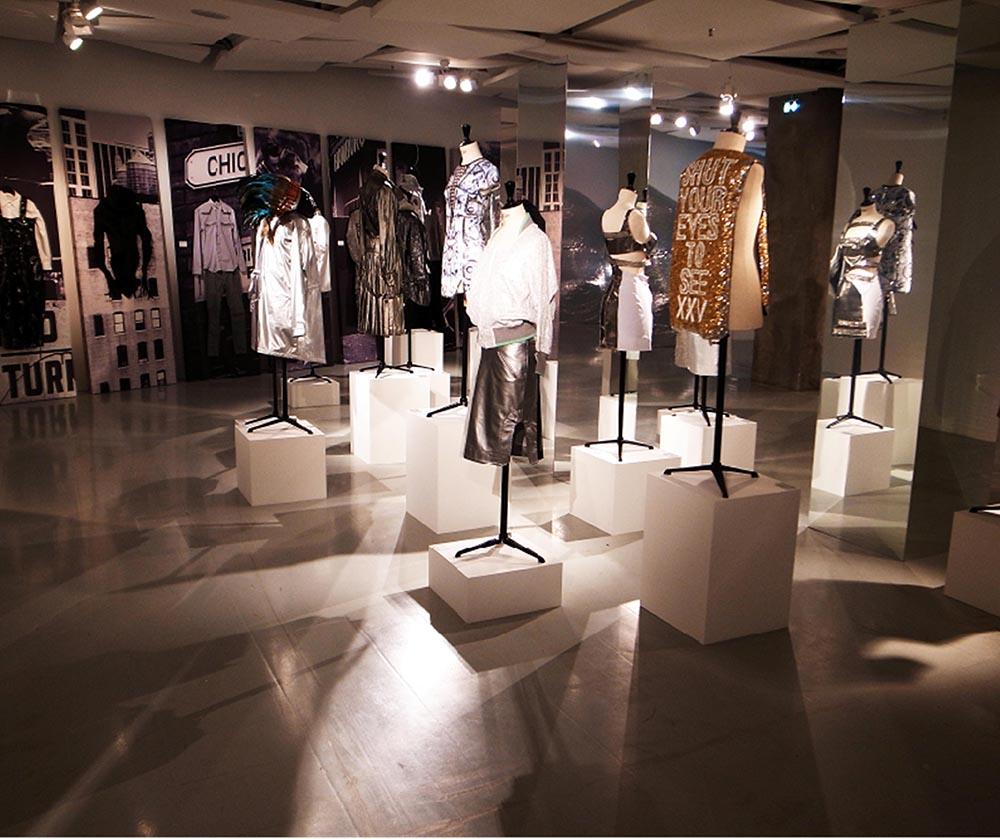 2013: I.T 25th Anniversary Exhibition at Galerie des Galeries Paris