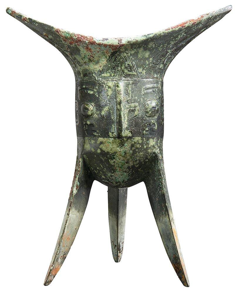 Ritual bronze wine vessel  jiao,  Shang dynasty, Yinxu period, circa 13th century BC, height: 23.5cm