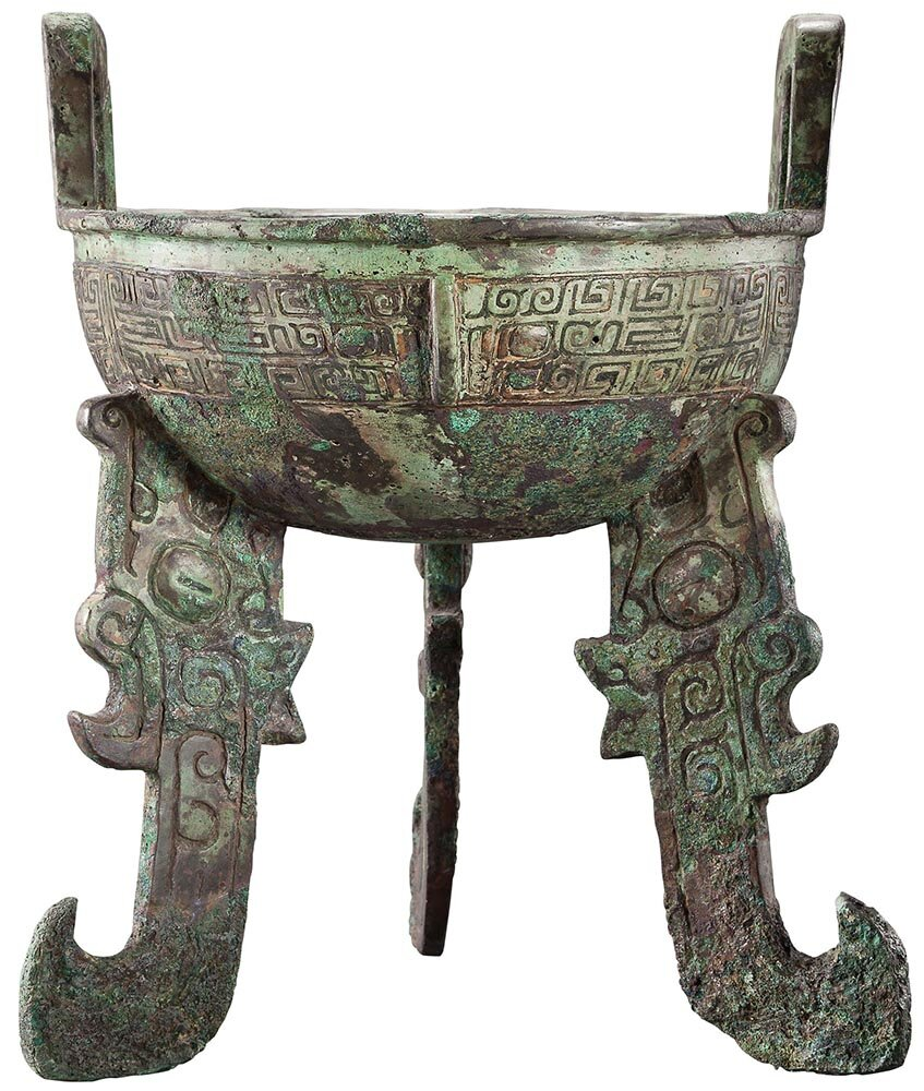 Ritual bronze food vessel  ding , late Shang dynasty, 12th–11th centuries BC, height: 23.9cm