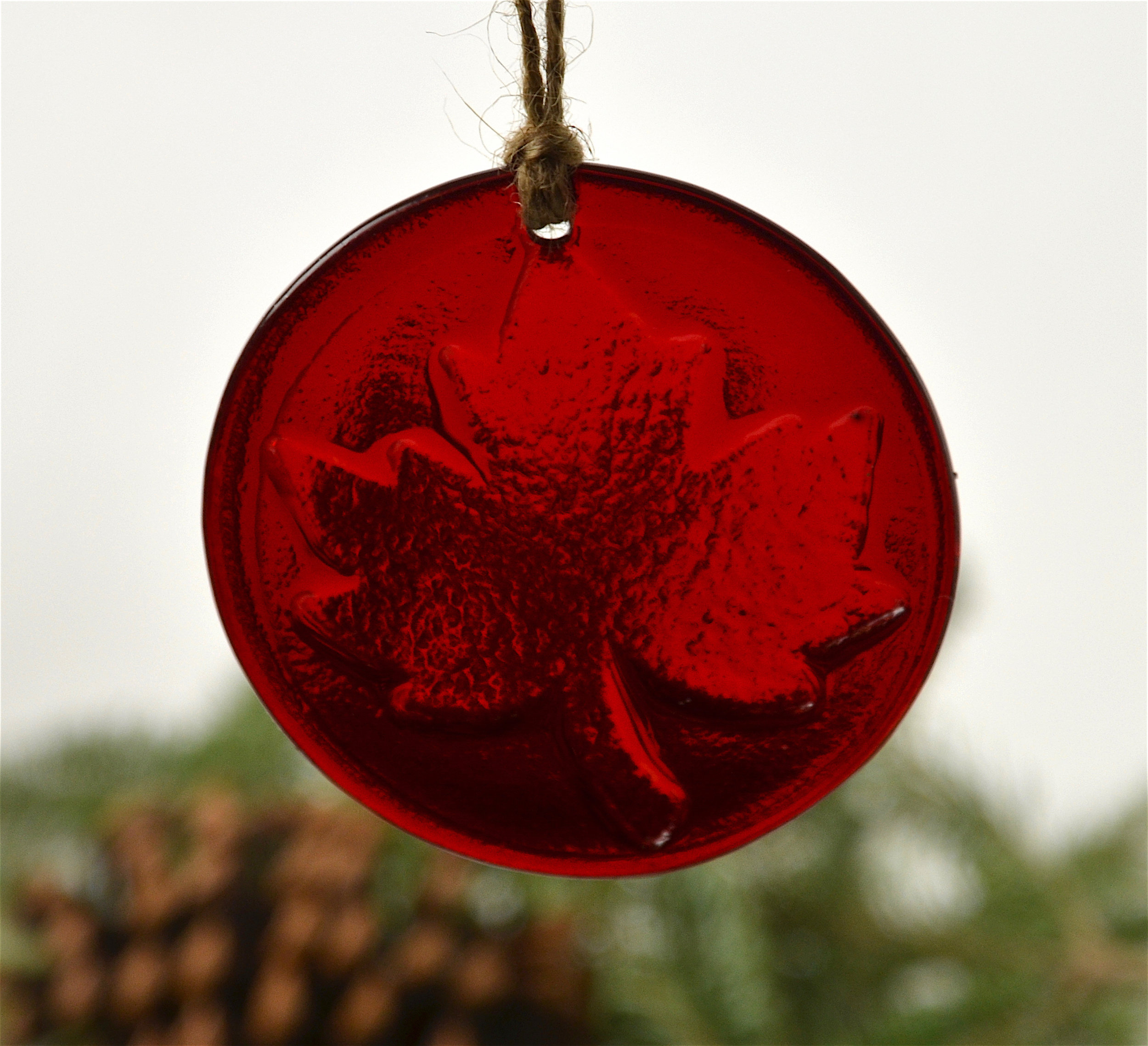 red maple leaf ornament handmade by moe http www handmadebymoe com ornaments red maple leaf ornament