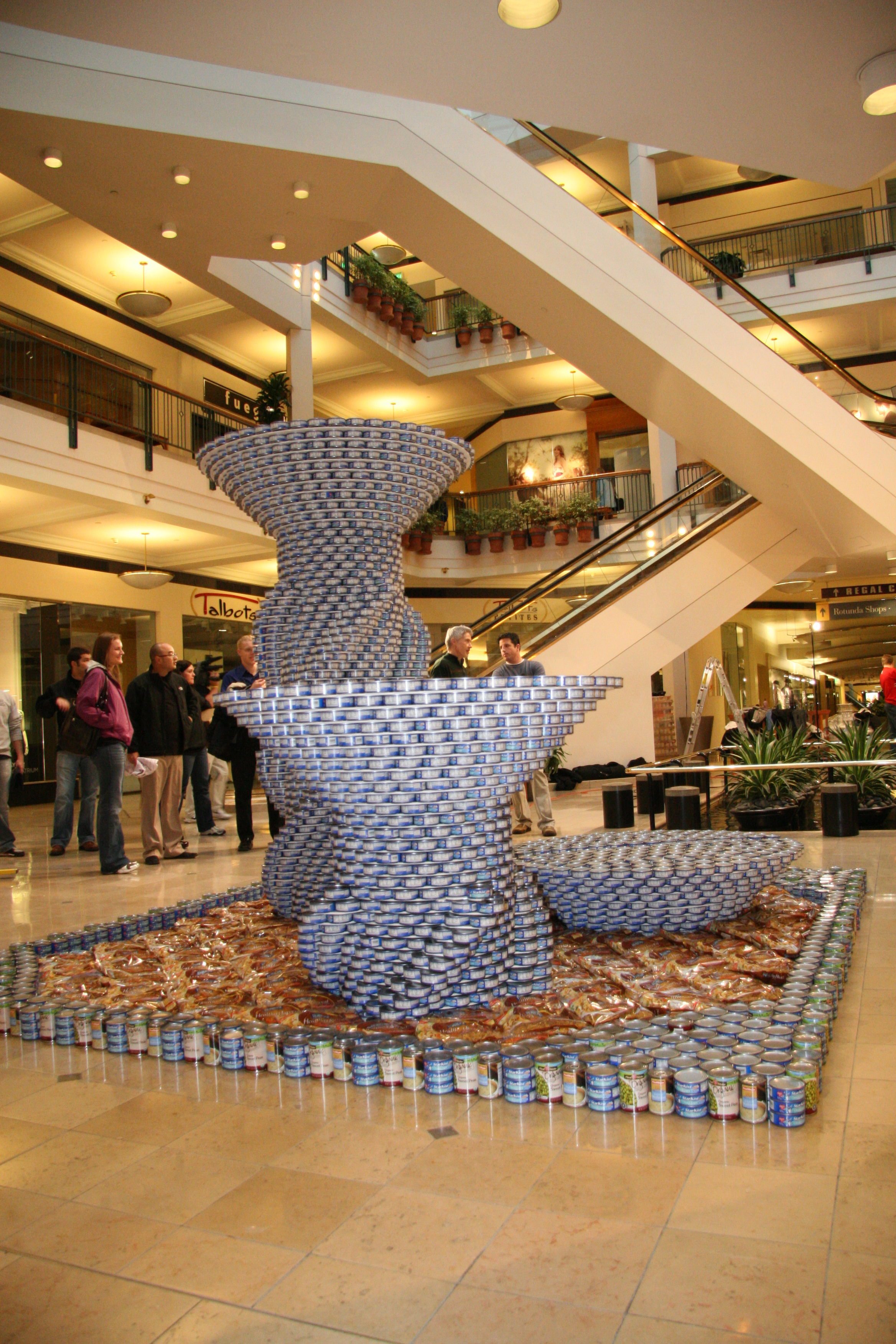 Canstruction 2011_Image_8_In.jpg
