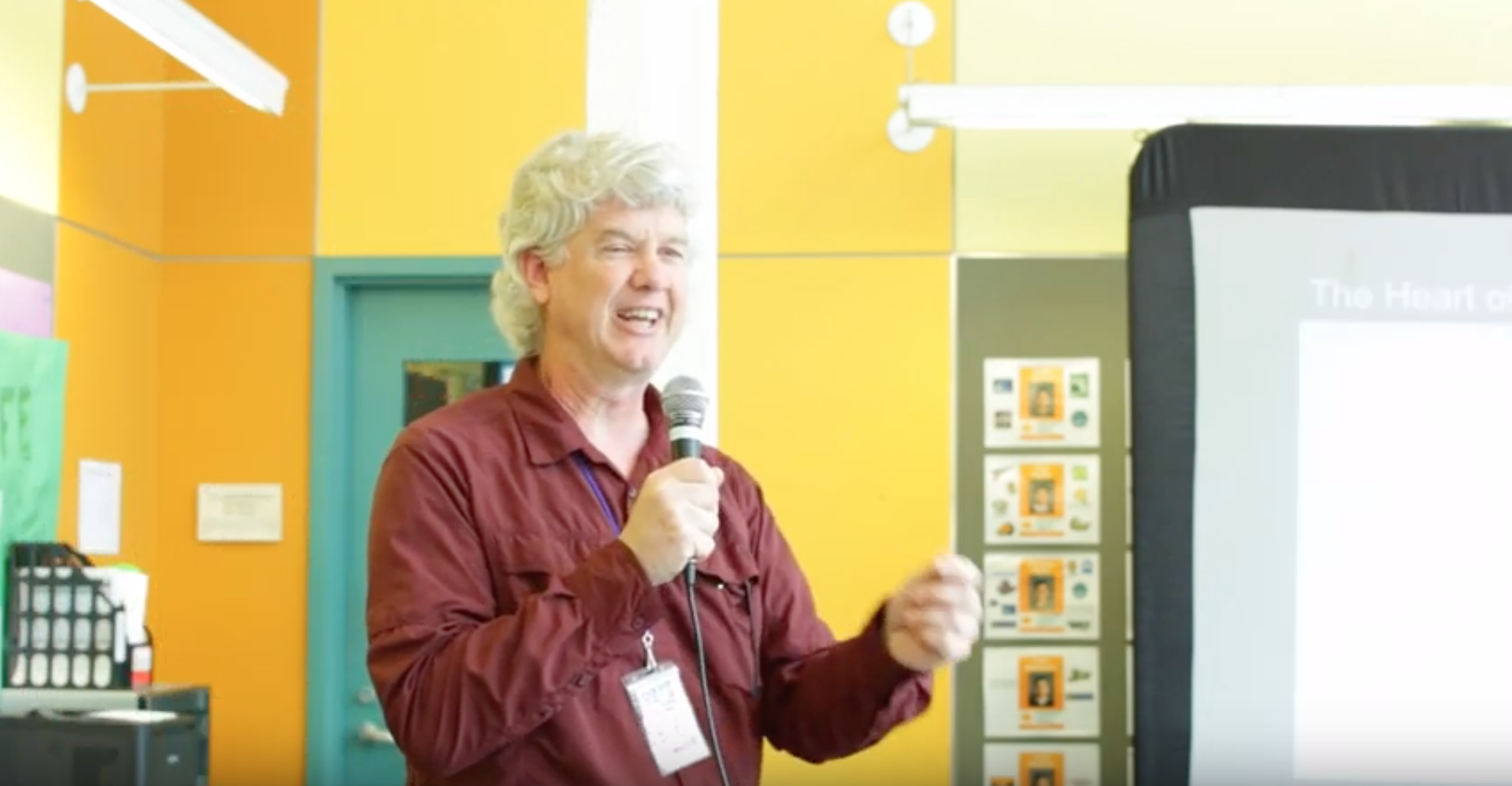 使用思考程序——例行公事!埃德•克兰德尔, 2017-2018年教学研究员 & 高中做 & 奥克兰灯塔社区特许学校机器人教师