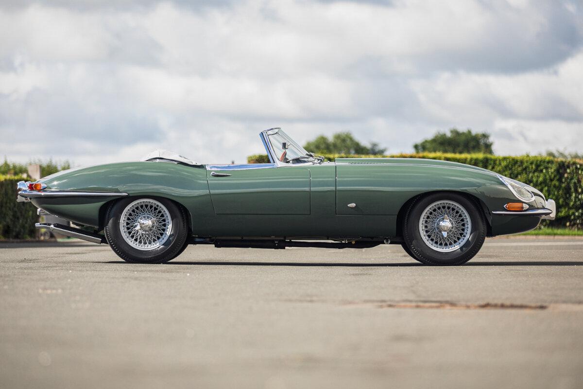 1961jaguare typeroadster chassisnumber850062%281%29