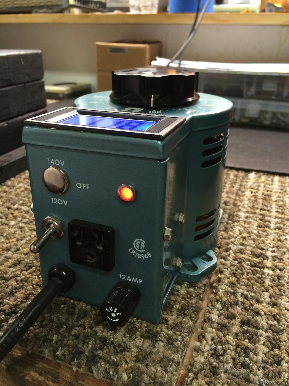 Metered 3PN1010 Staco Variac — p2pAmps