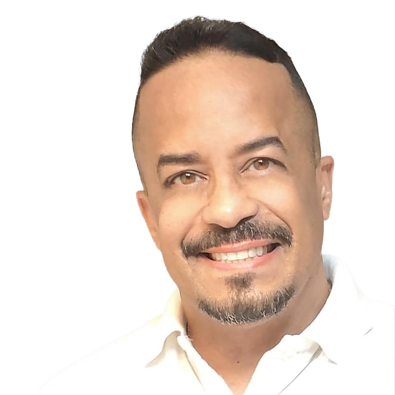 Carlos Calderon-Diaz-headshot.jpg
