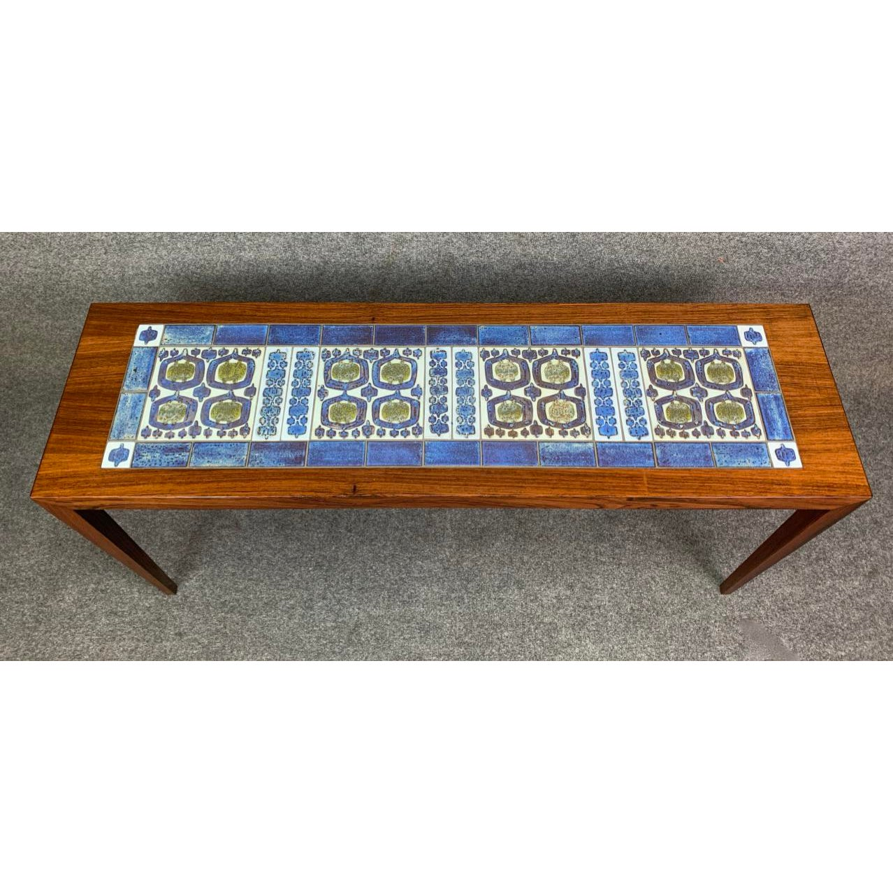 - Vintage Danish Mid Century Modern Coffee Table In Rosewood And
