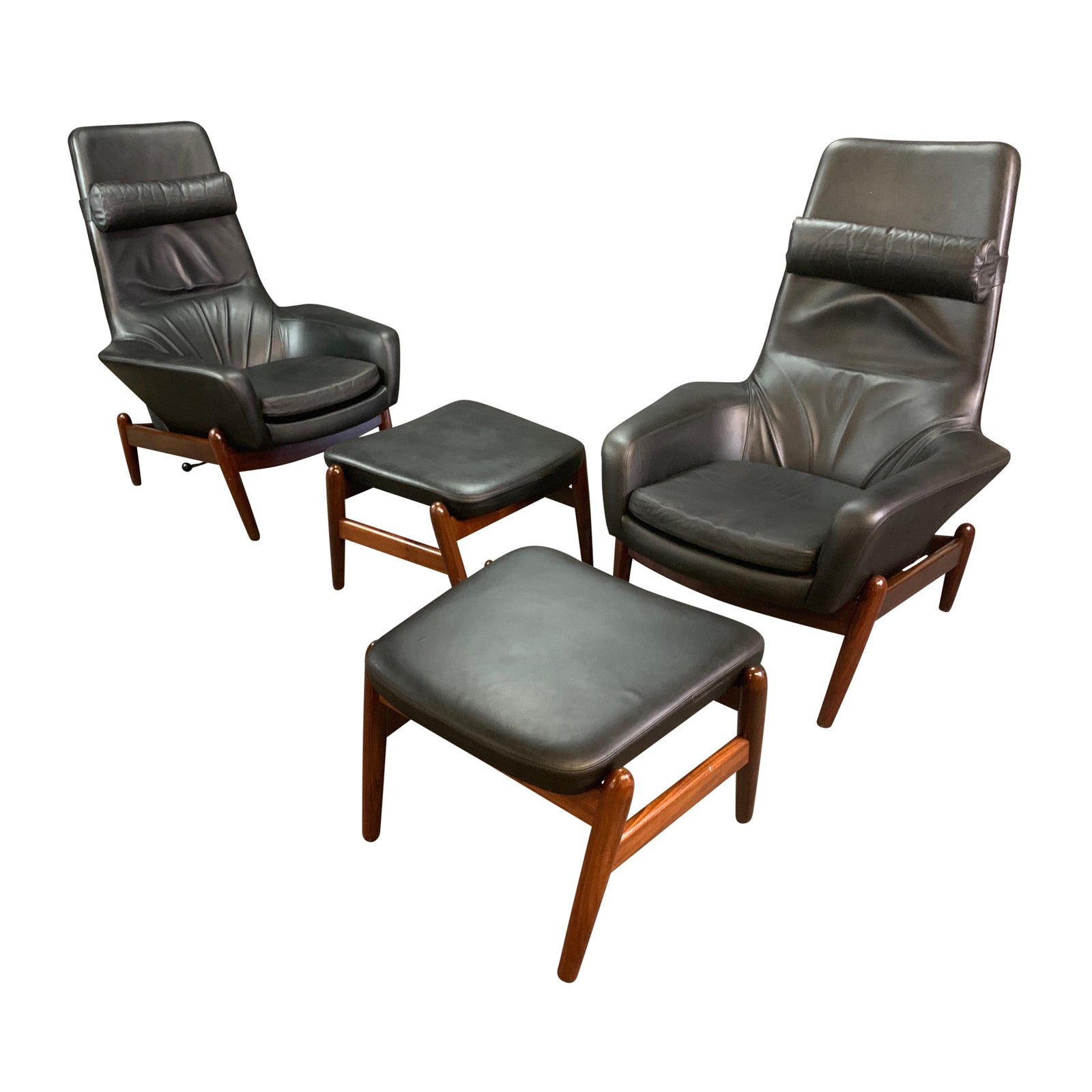 Pair of Vintage Danish Mid Century Modern Recliners Lounge Chairs & Ottomans Model Pd30 in Afromasia and Leather by Kofod Larsen — Aymerick Modern