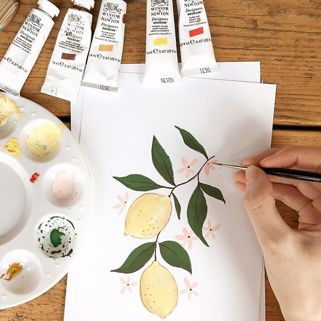 To celebrate the launch of my book Get Started with Gouache in just over a week (out on the 7th of July!) I've got lots of lovely video treats coming up for you! The first is a video tutorial on how to paint this lovely summery lemon branch, which you can find over on the @papier page and is a project from the book. If you have a go 绘画 this lovely zesty price please do tag me, I would love to see it! And keep an eye out on my page for more gouache videos this week! #getstartedwithgouache #gouache #emmablockillustration #gouachepainting #lovepapier #learnsomethingnew #creativelifehappylife #createeveryday