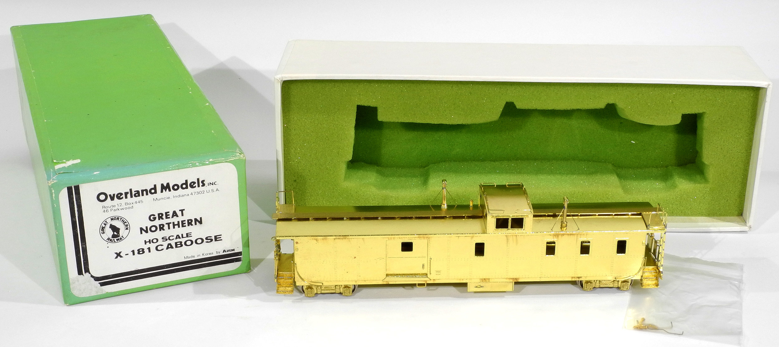 "HO Scale Brass Overland Models Great Northern X-181 ""Hutch"" Caboose — Jeff  Lemke Trains, Inc"