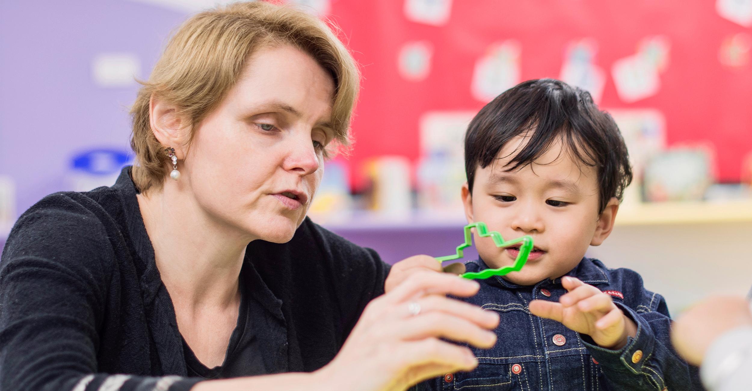 Kindergarten with Ms Charlotte © Tim Barnsley Photography 2017.jpg