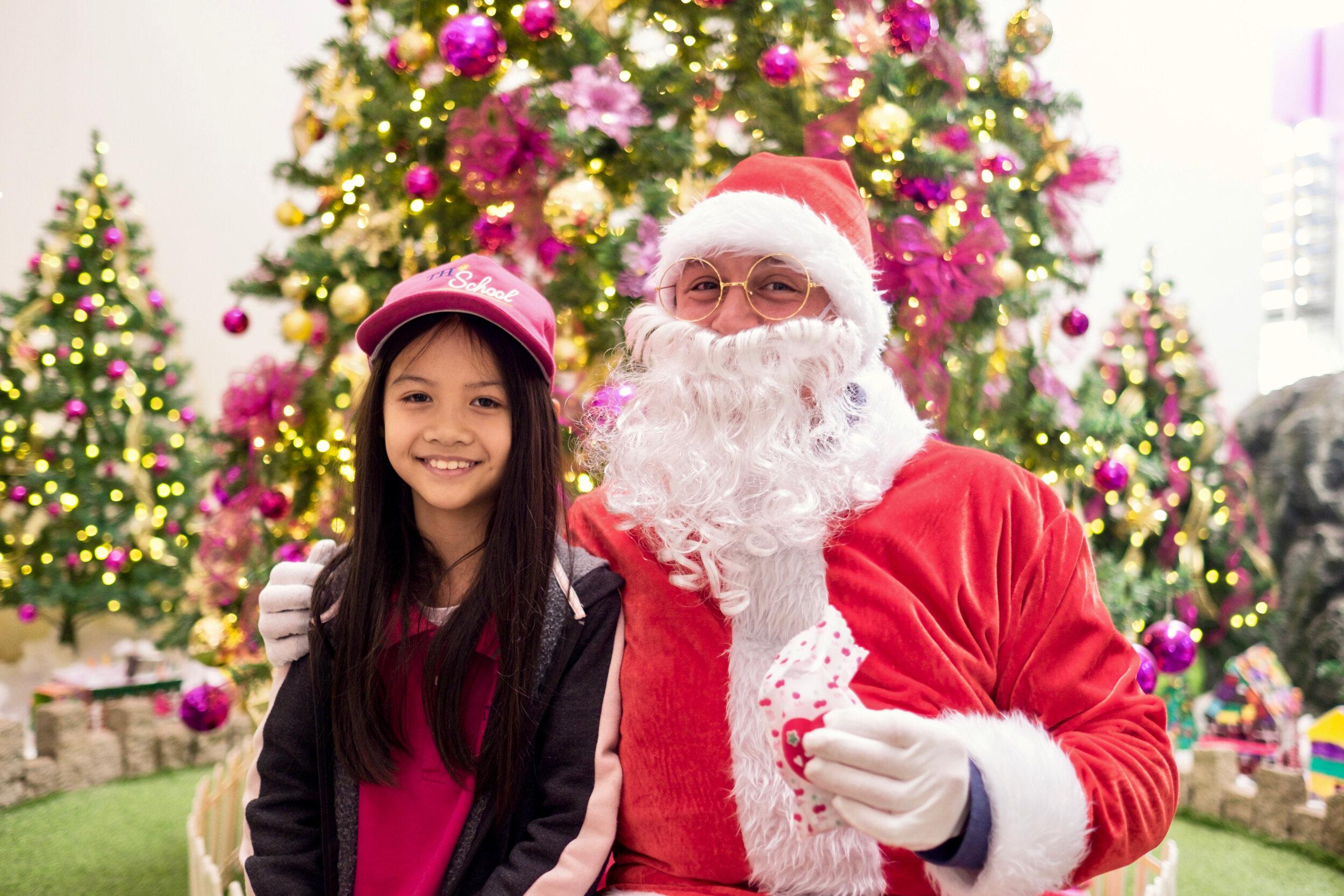 Photoshoot with Santa Clause-59.jpg