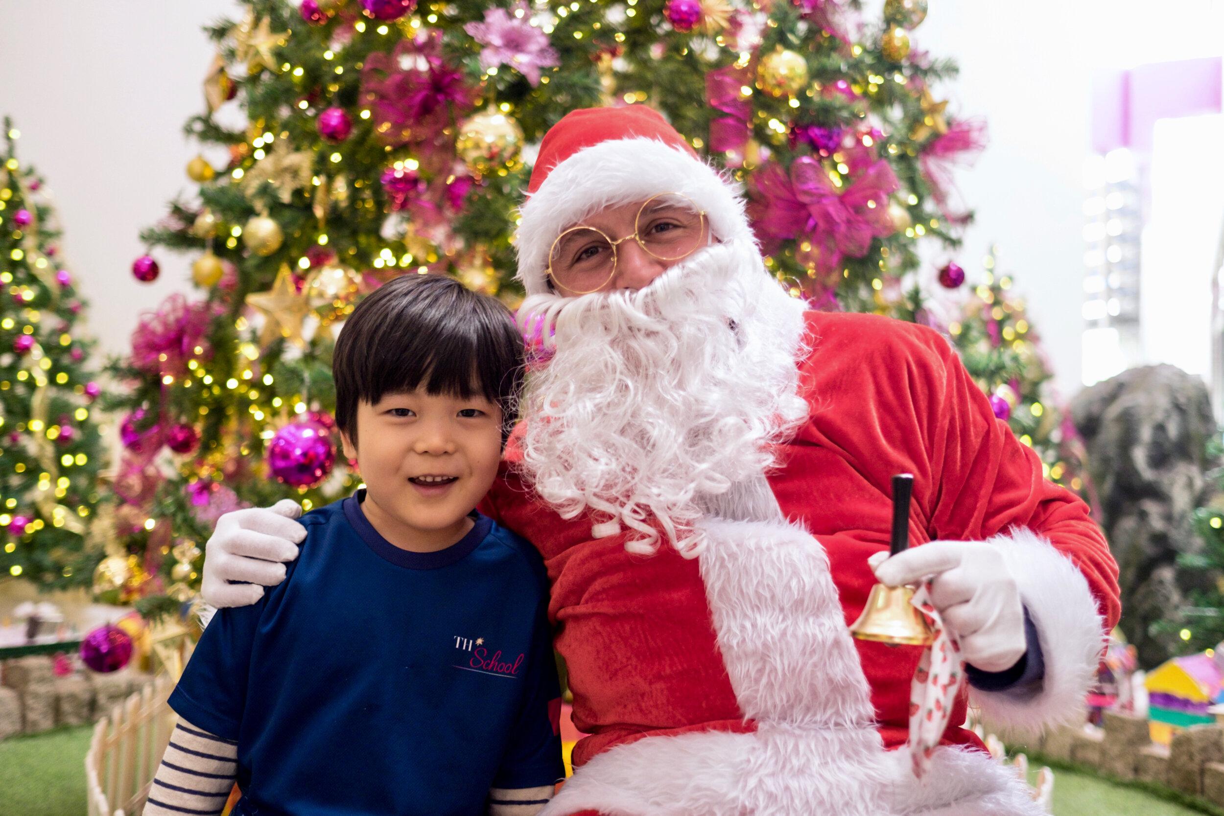 Photoshoot with Santa Clause-153.jpg