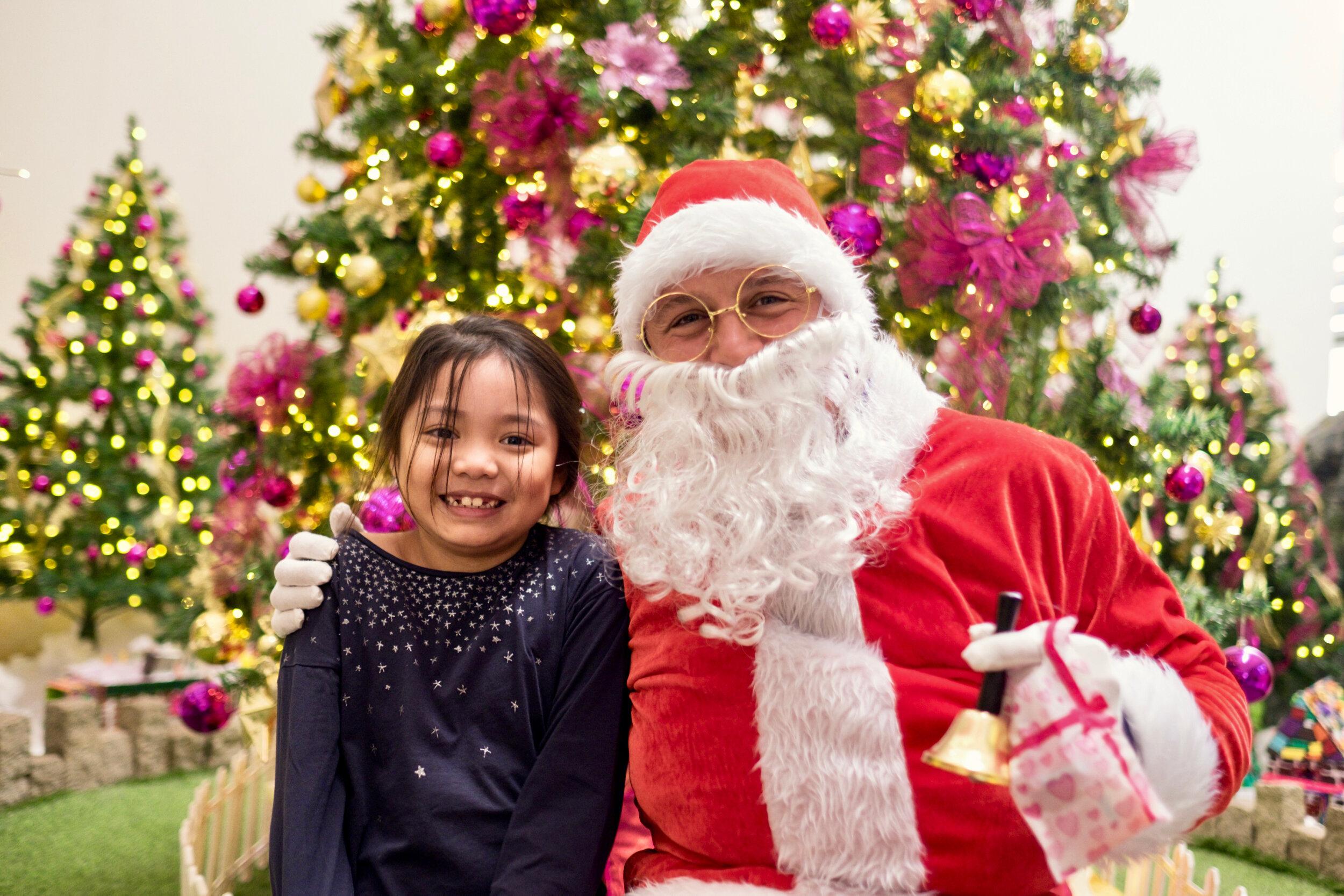 Photoshoot with Santa Clause-190.jpg