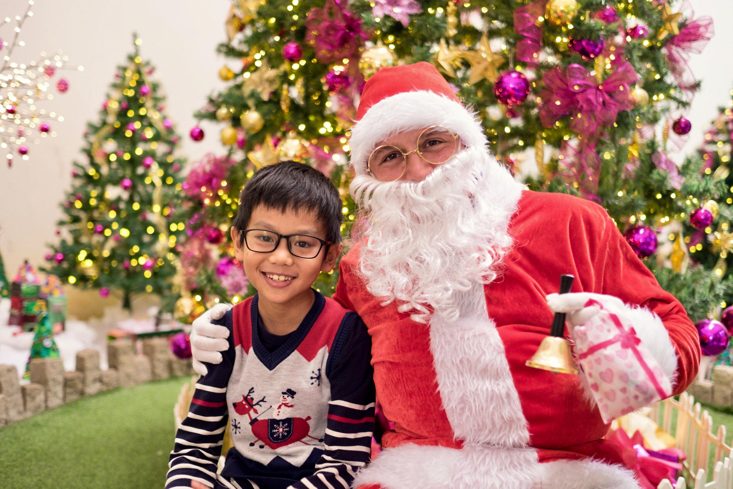 Photoshoot with Santa Clause-199.jpg