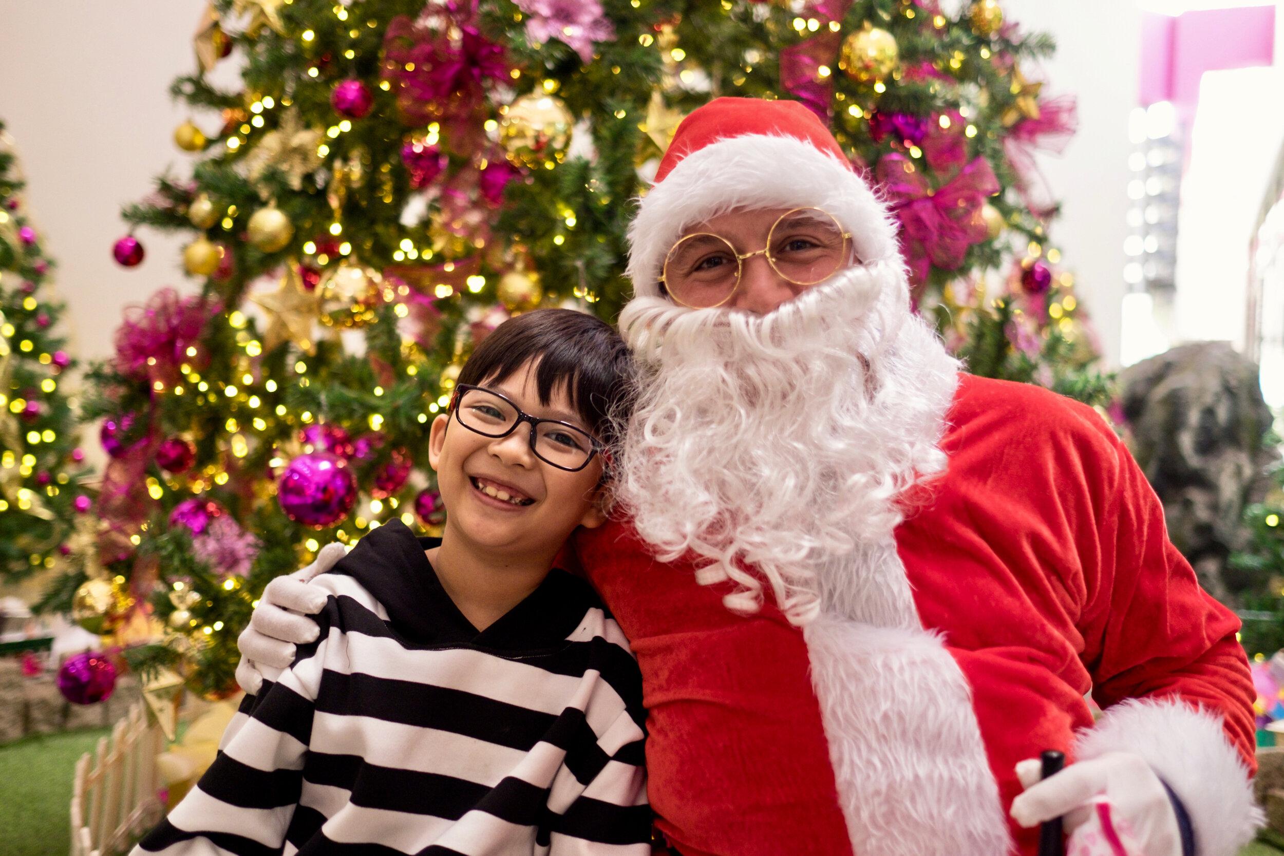 Photoshoot with Santa Clause-231.jpg