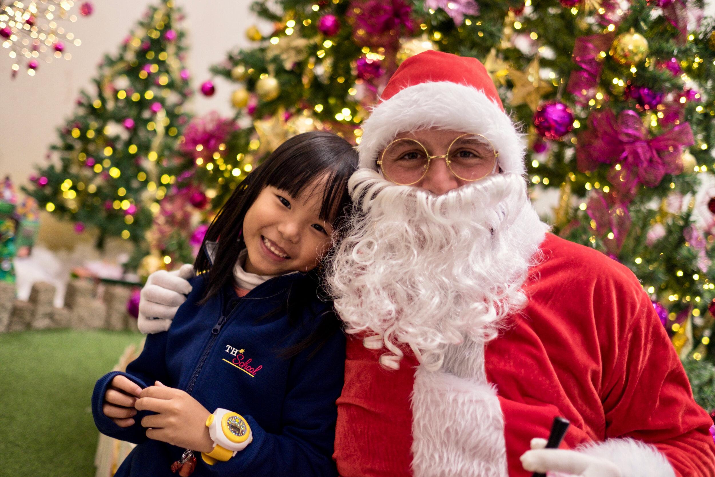 Photoshoot with Santa Clause-239.jpg