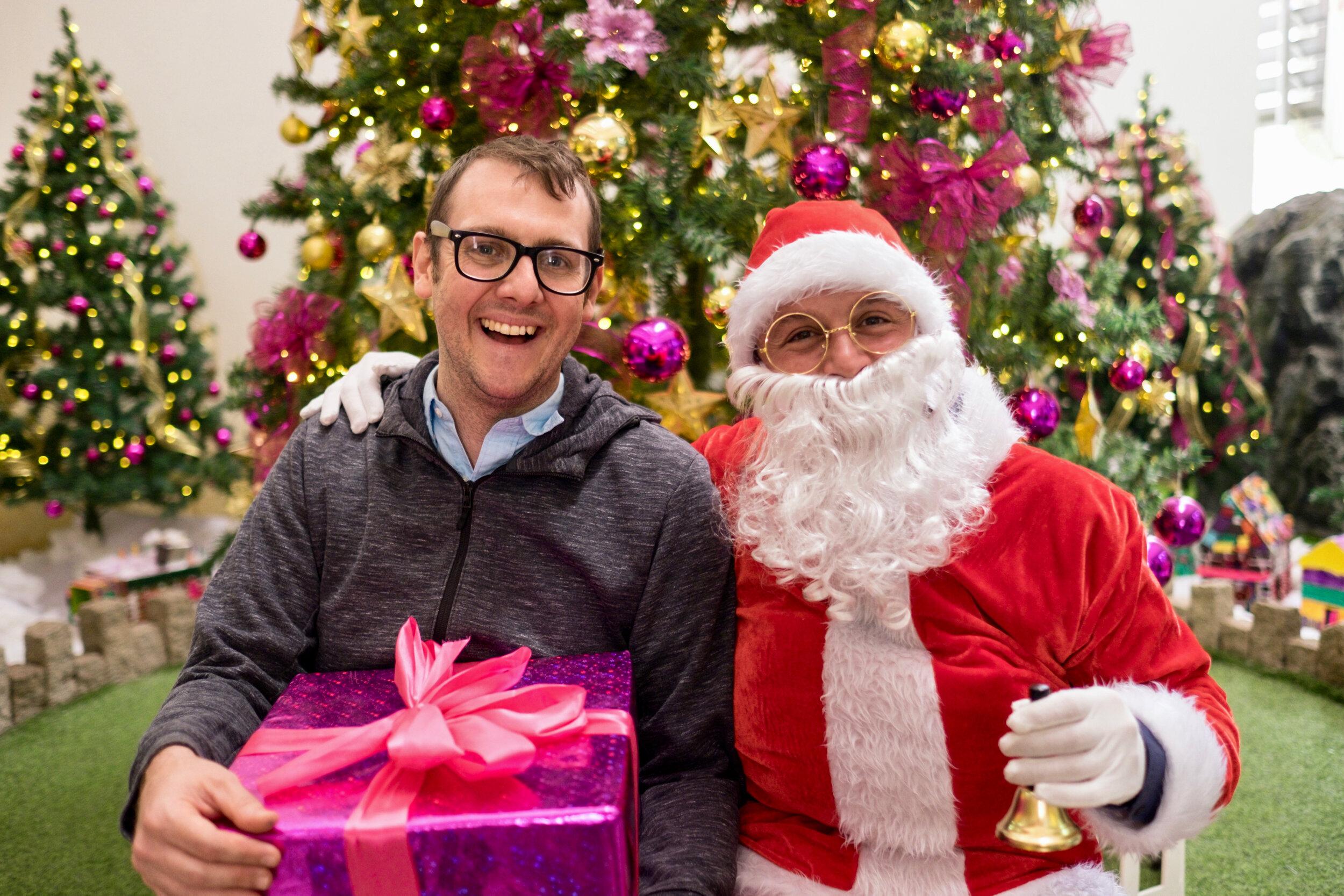 Photoshoot with Santa Clause-360.jpg