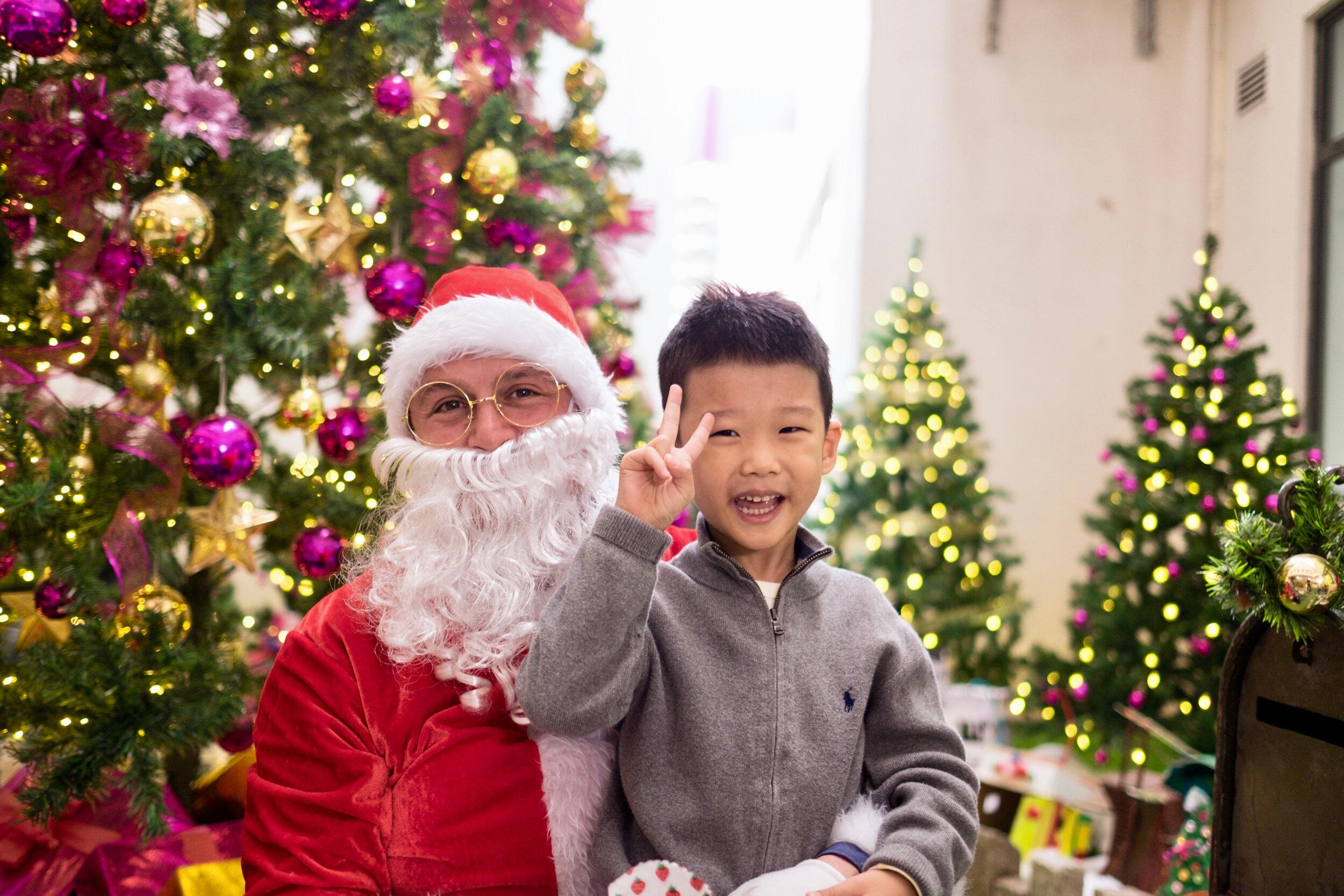Photoshoot with Santa Clause-380.jpg