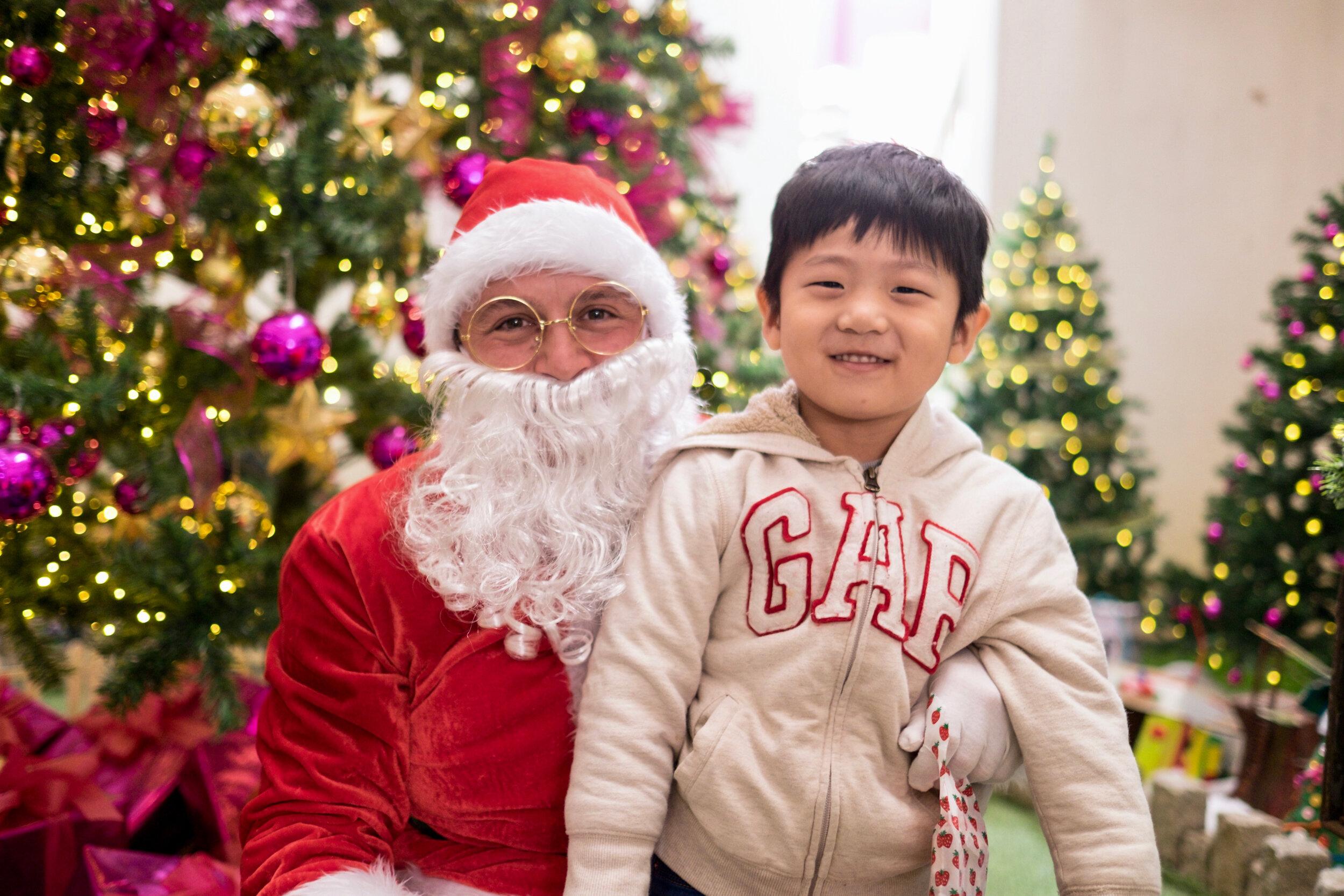 Photoshoot with Santa Clause-389.jpg