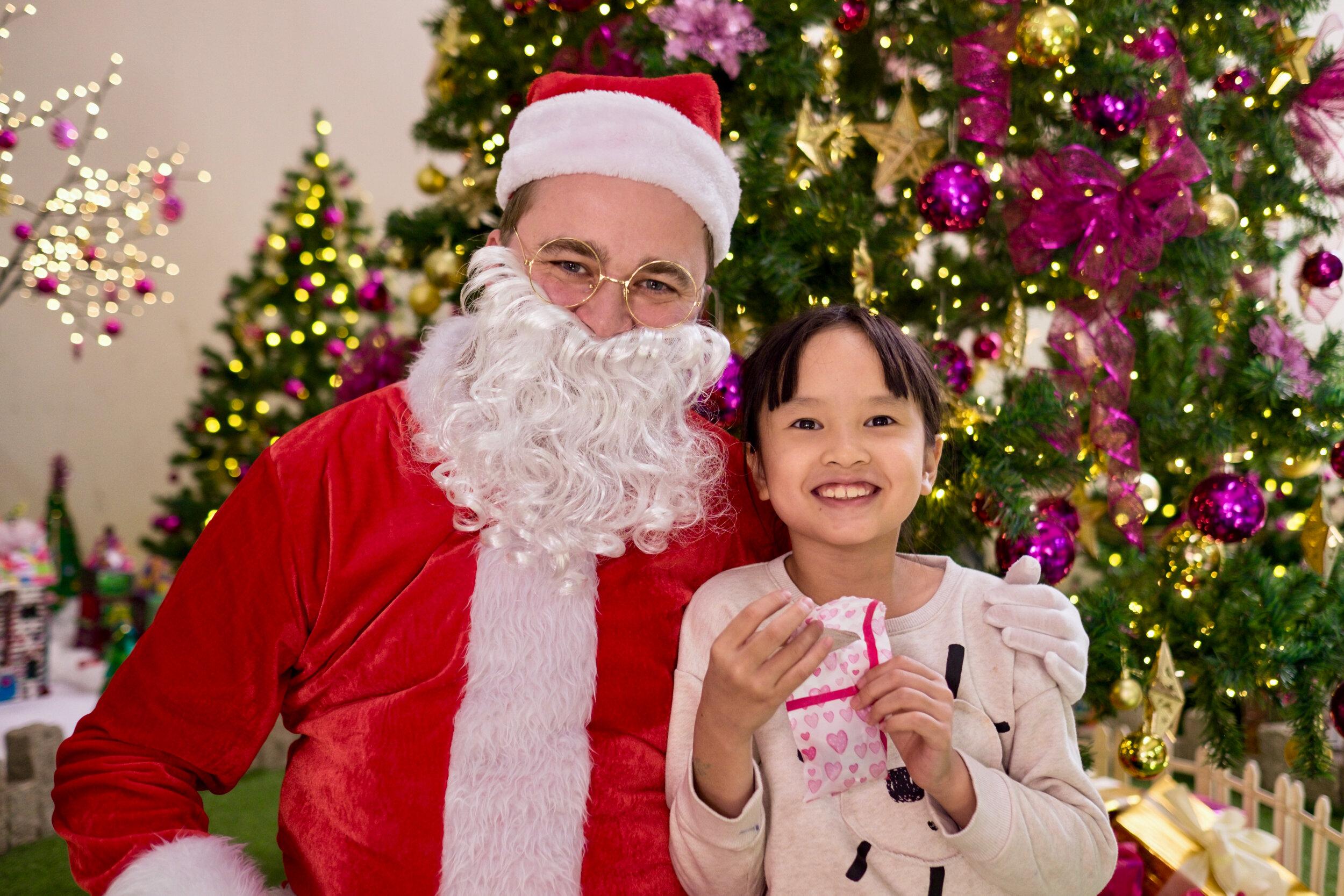 Photoshoot with Santa Clause-567.jpg