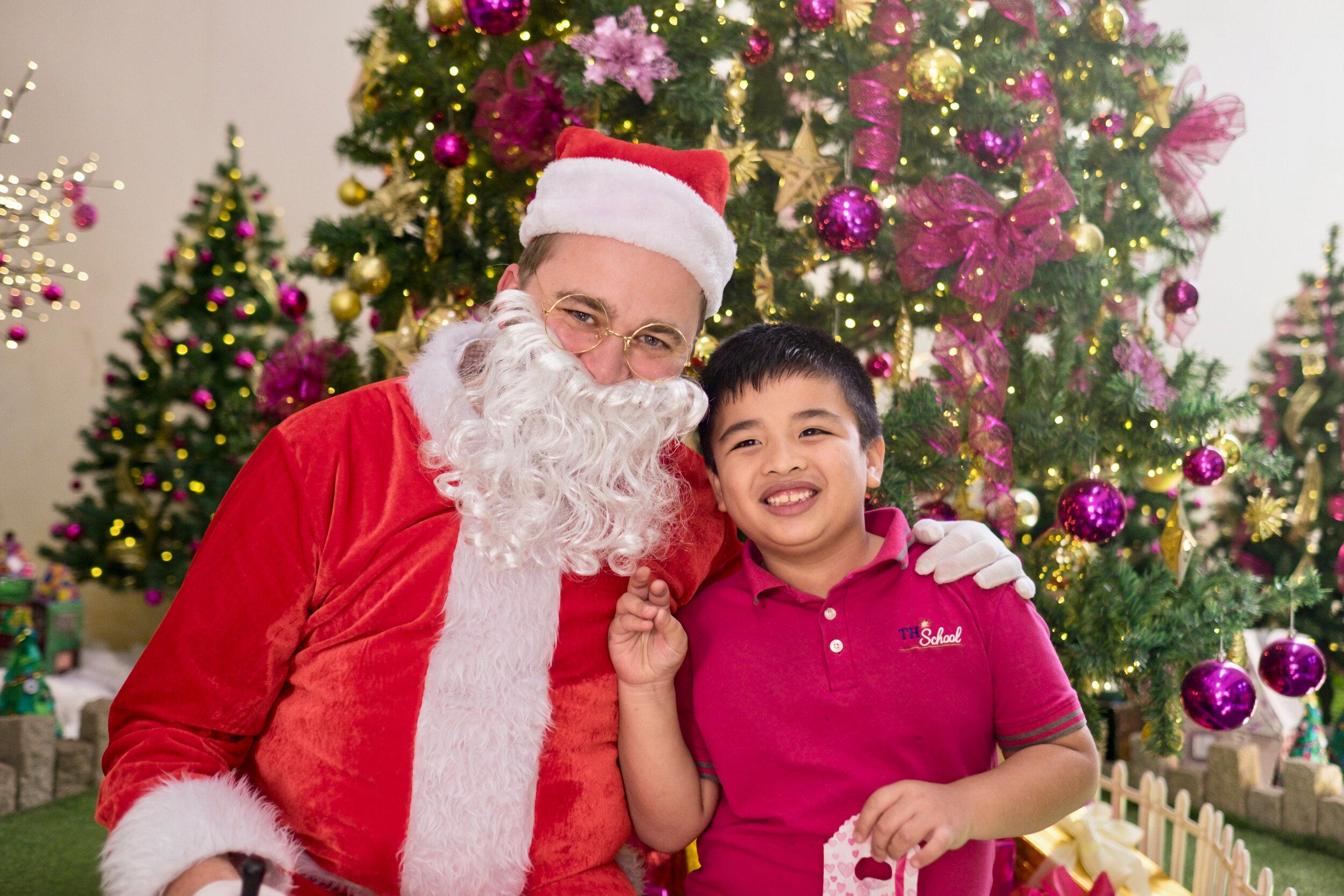 Photoshoot with Santa Clause-594.jpg