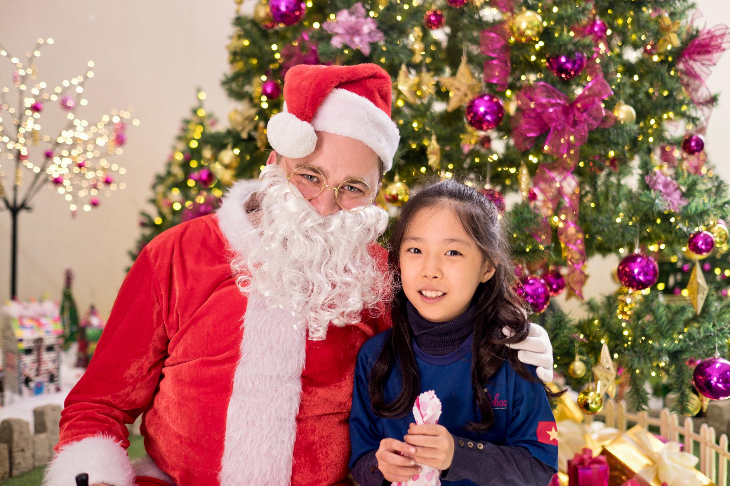 Photoshoot with Santa Clause-628.jpg