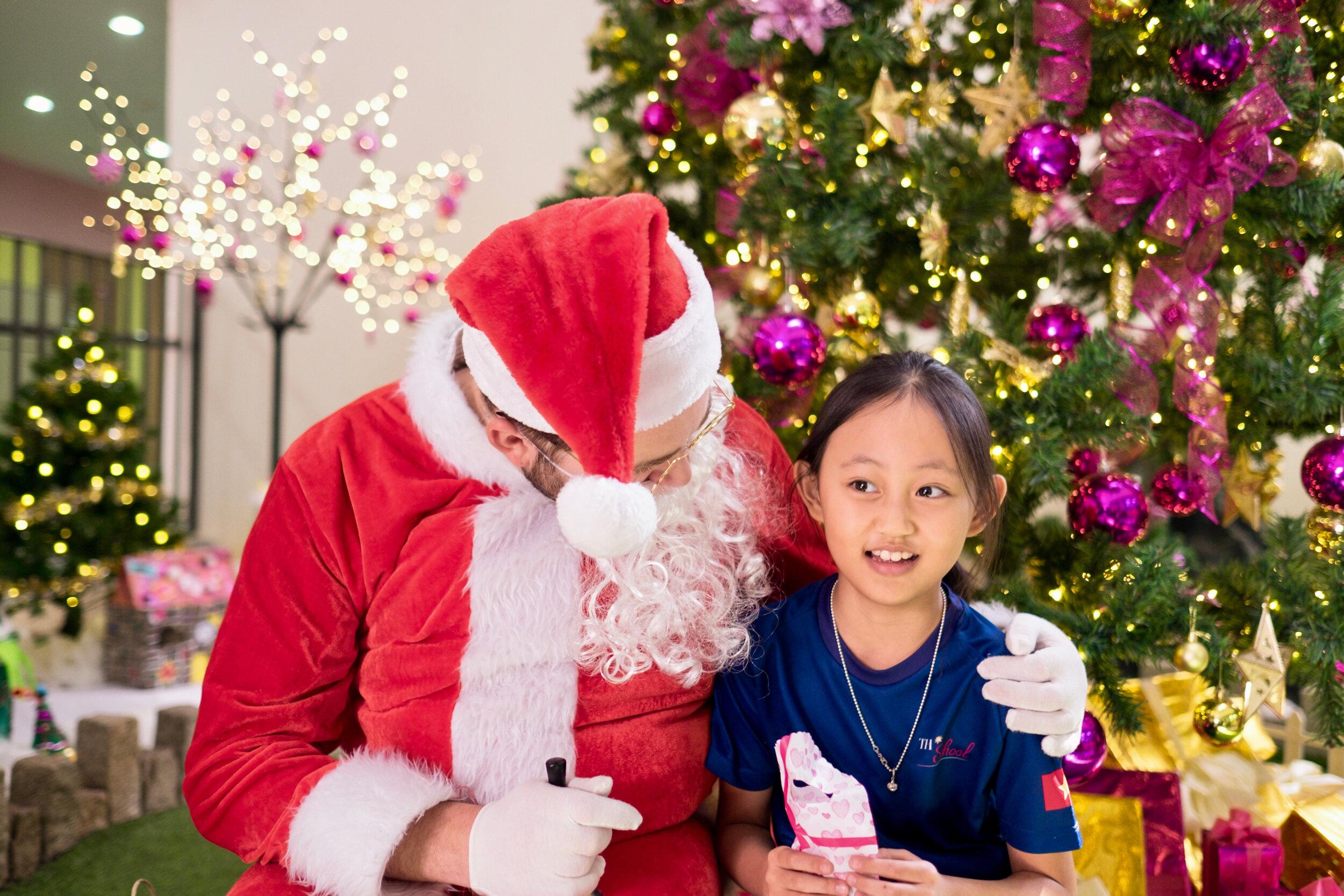 Photoshoot with Santa Clause-635.jpg