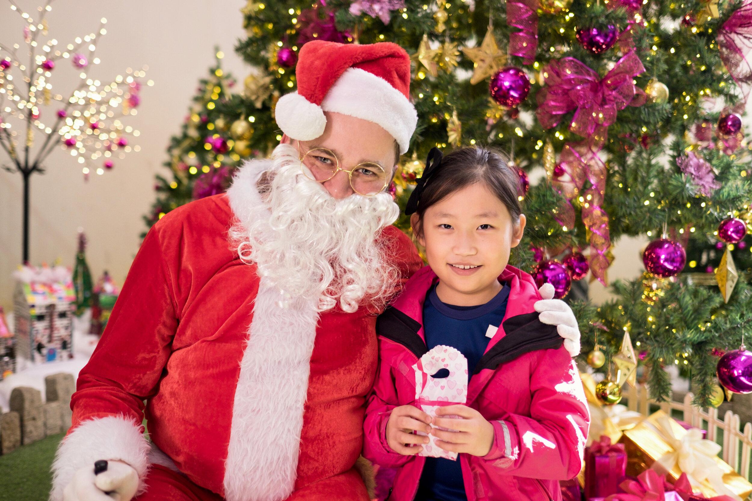 Photoshoot with Santa Clause-647.jpg