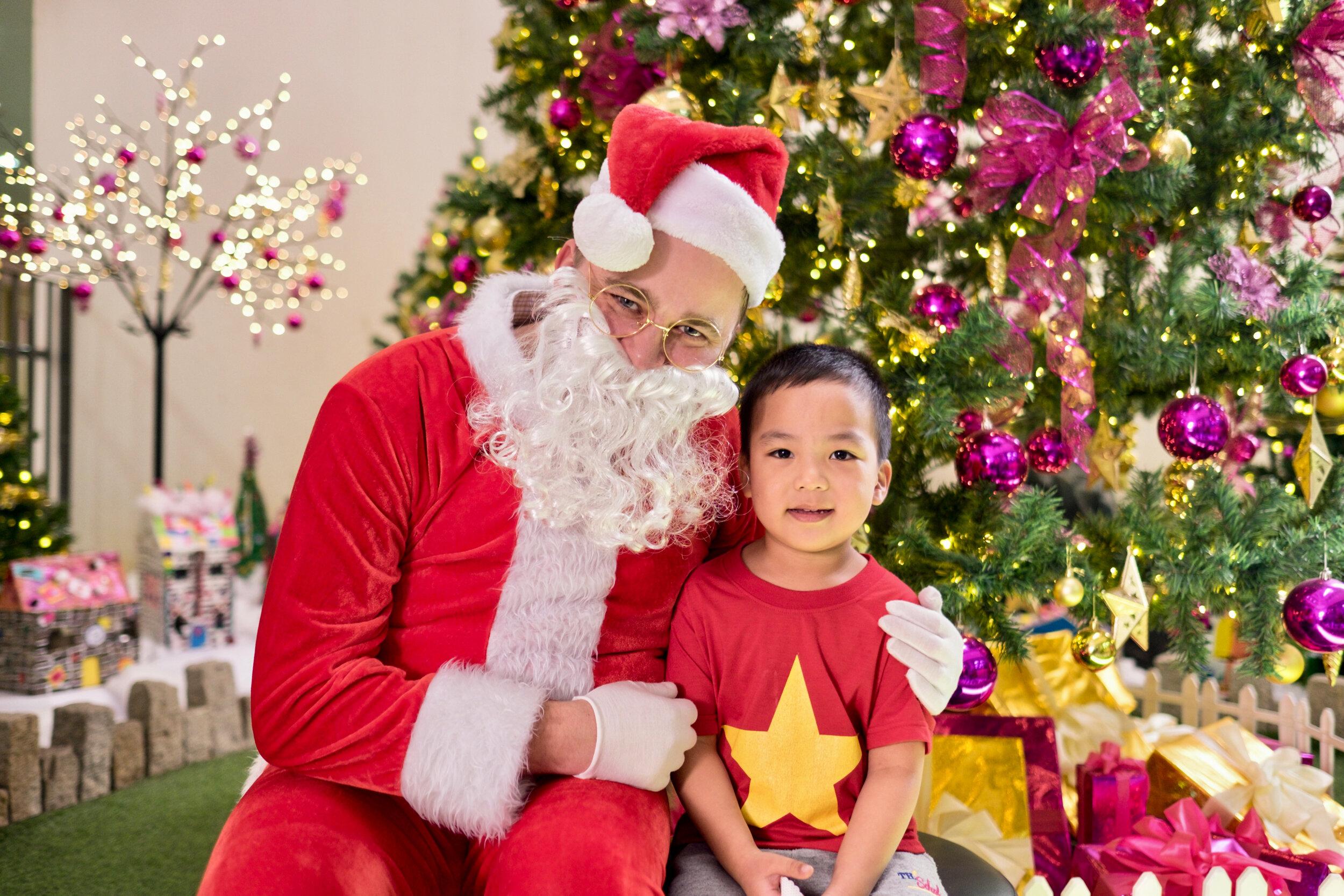 Photoshoot with Santa Clause-679.jpg