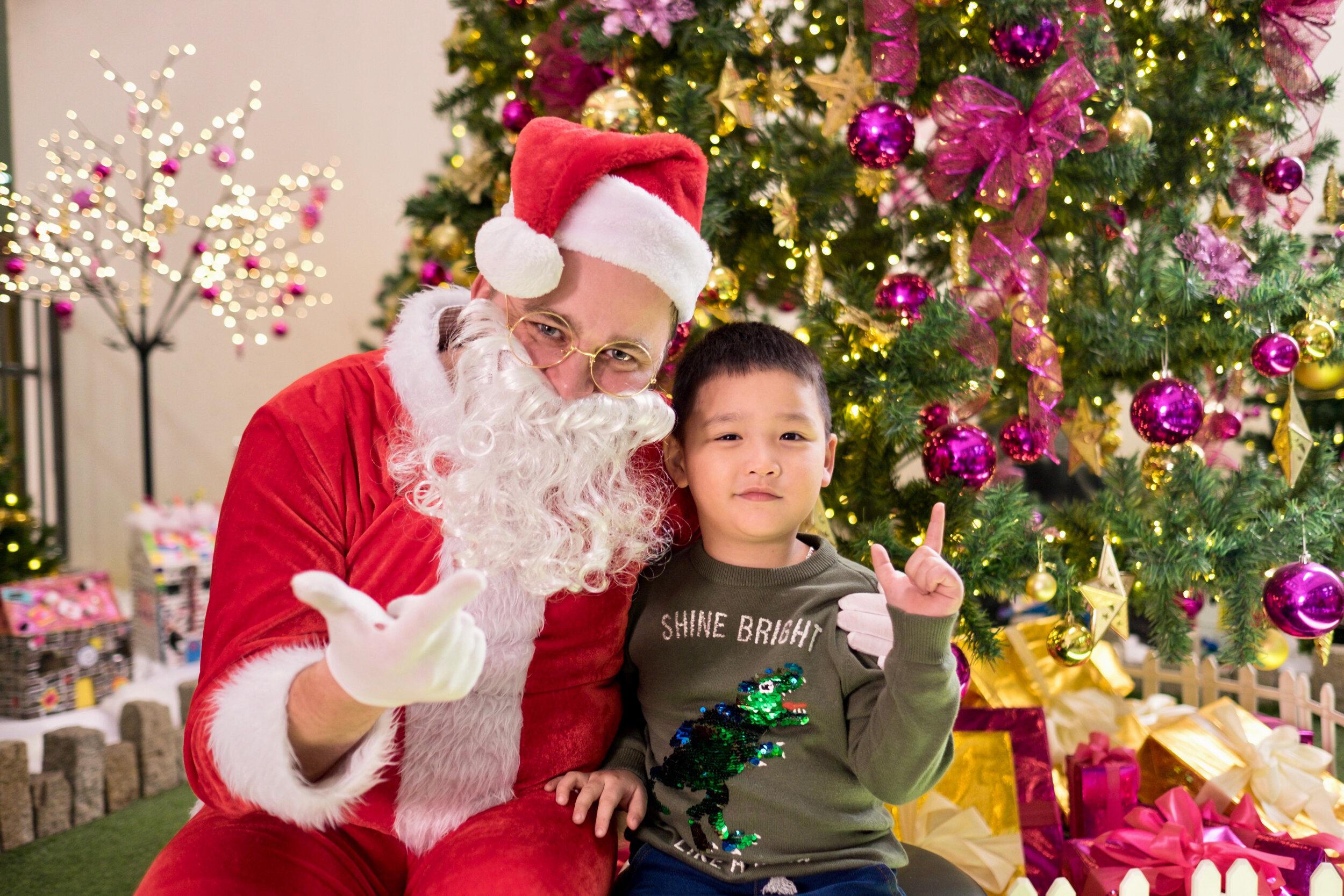 Photoshoot with Santa Clause-683.jpg