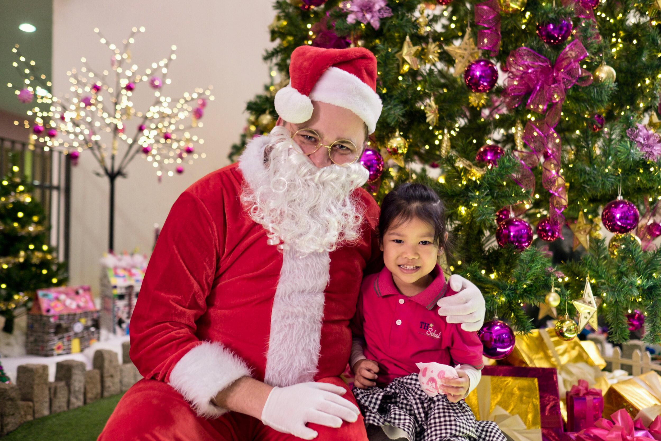 Photoshoot with Santa Clause-687.jpg
