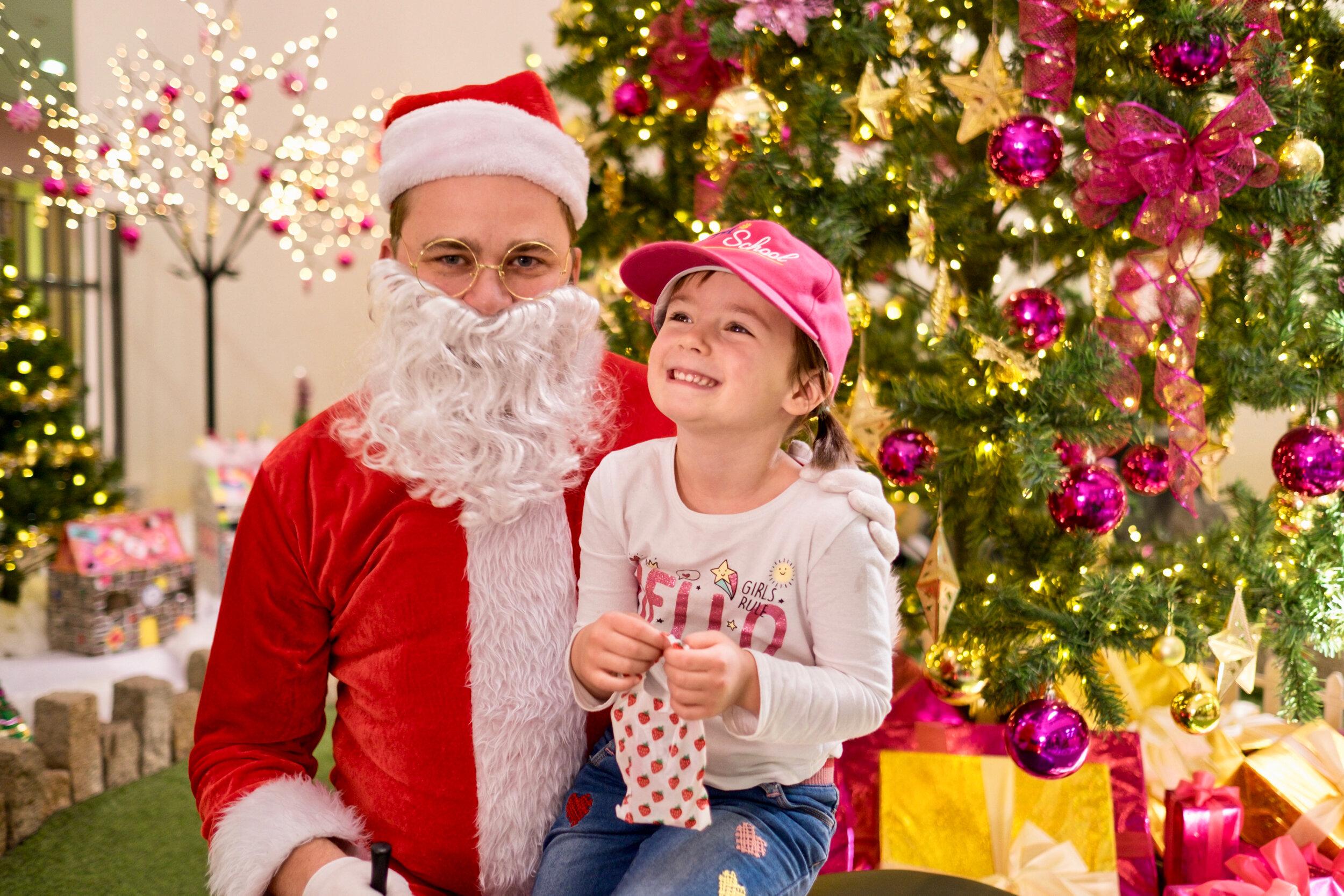 Photoshoot with Santa Clause-717.jpg