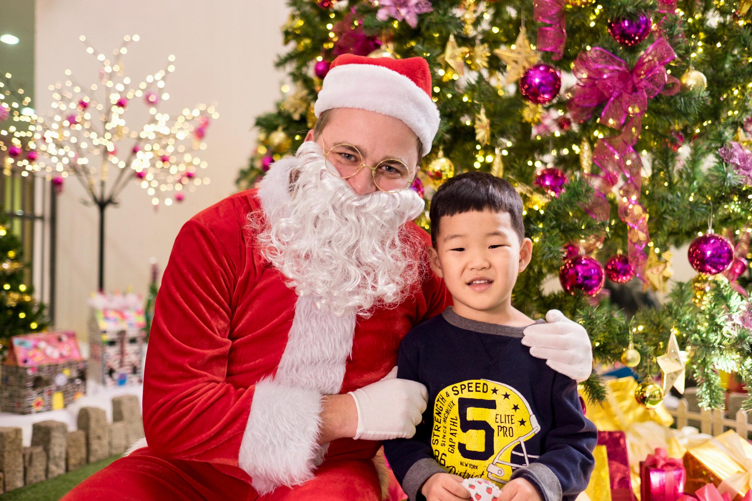 Photoshoot with Santa Clause-722.jpg