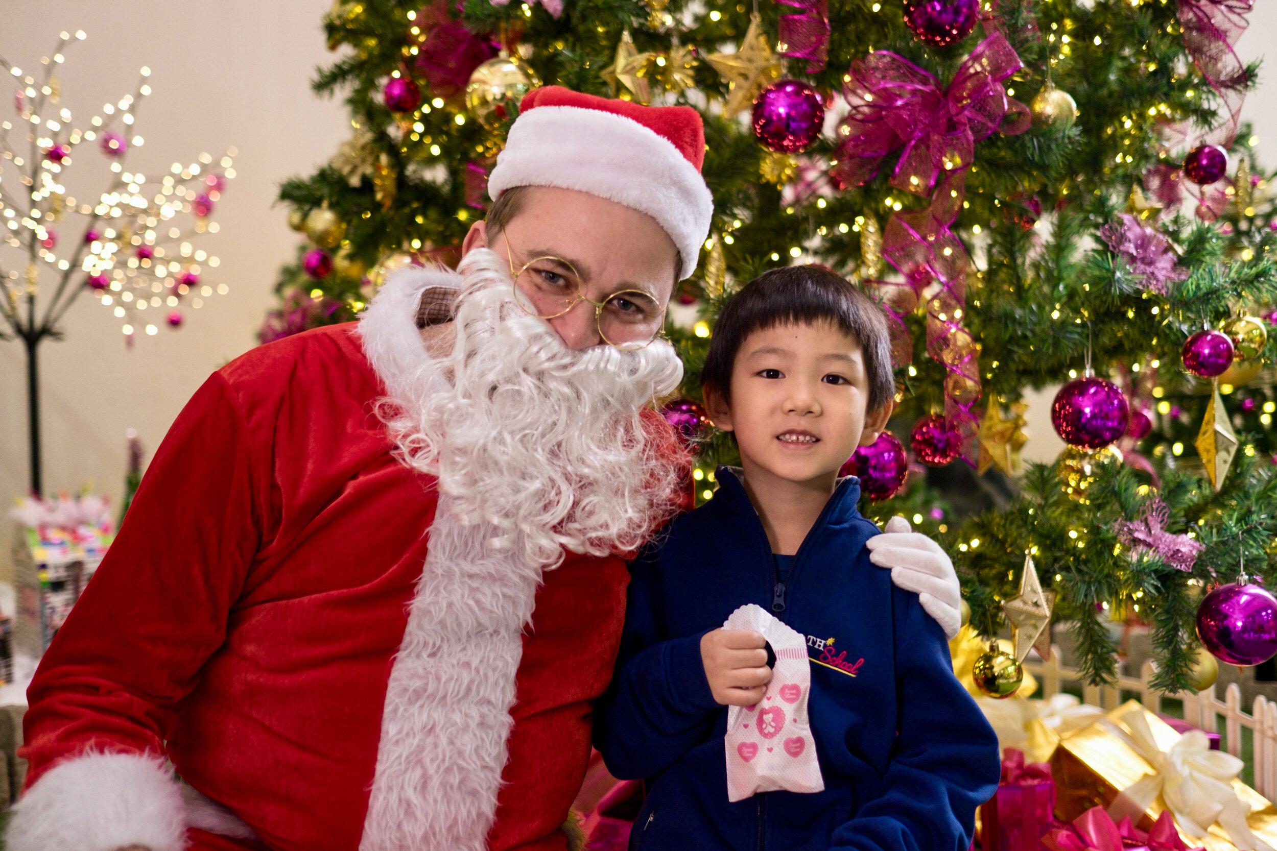 Photoshoot with Santa Clause-792.jpg
