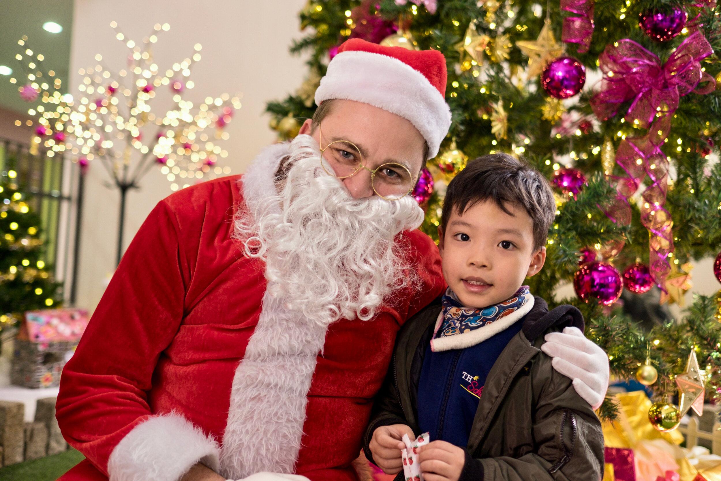Photoshoot with Santa Clause-746.jpg
