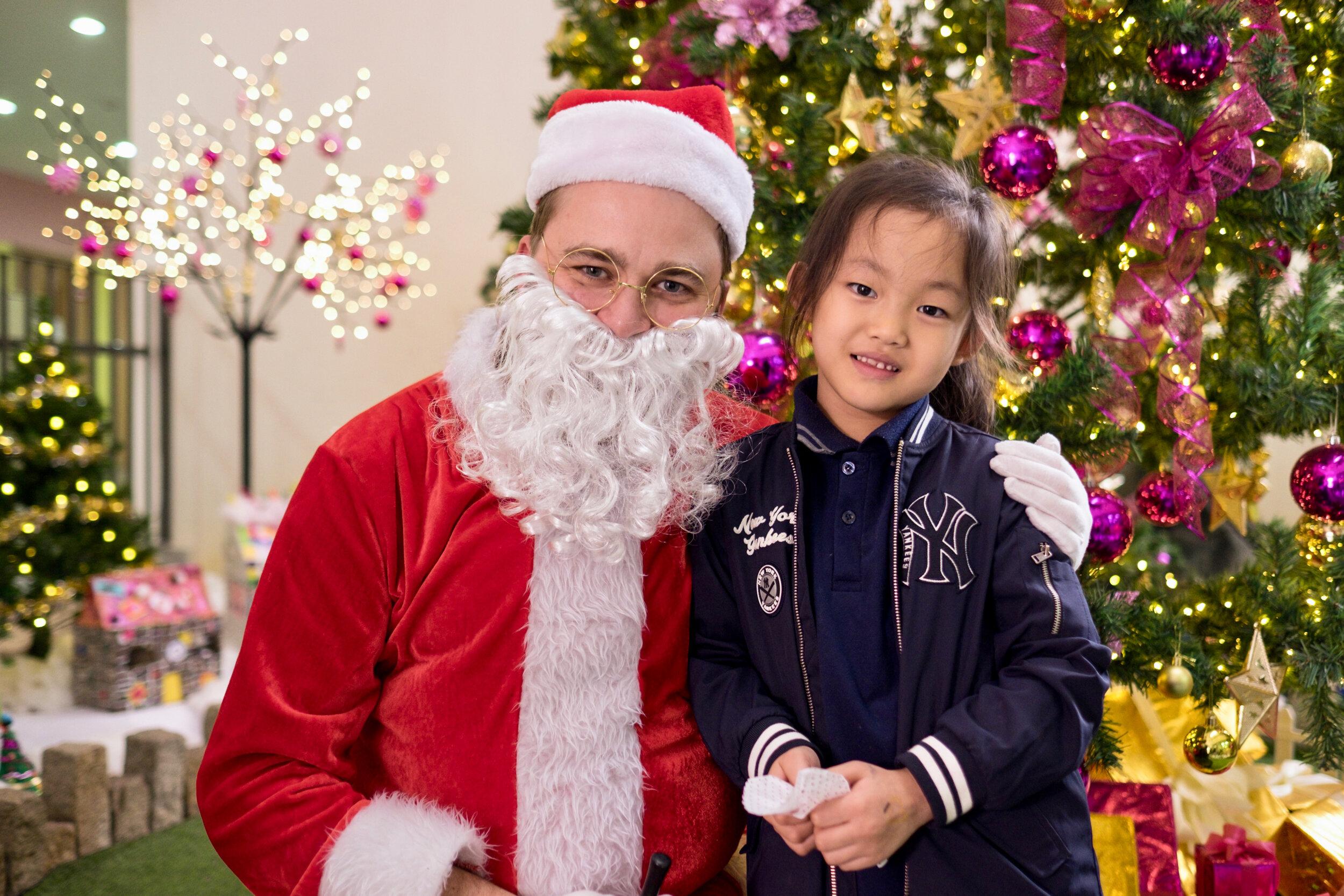 Photoshoot with Santa Clause-813.jpg